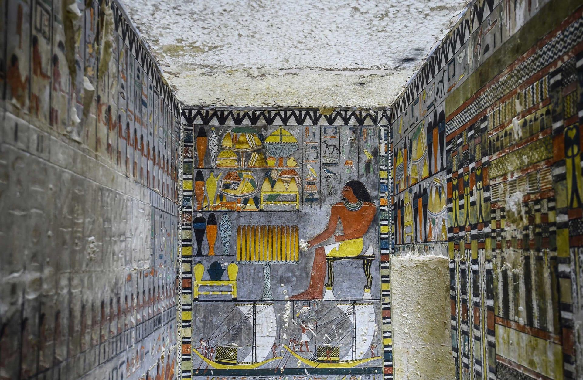 ما هو الأمر الذي حير العلماء في هذه المقبرة المصرية الملونة التي يتجاوز عمرها 4 آلاف عام