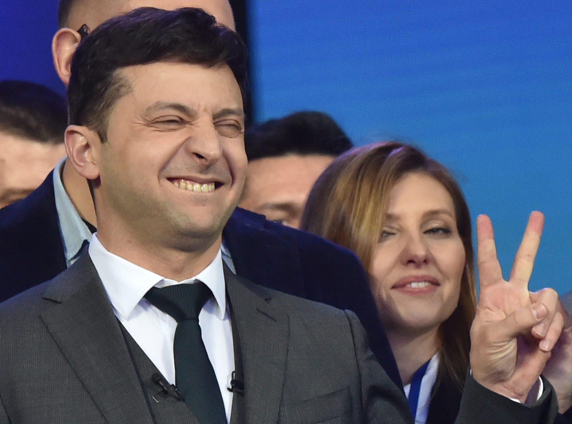 دراما زيلينسكي تحولت لواقع.. ممثل كوميدي لعب دور الرئيس يصبح رئيسا