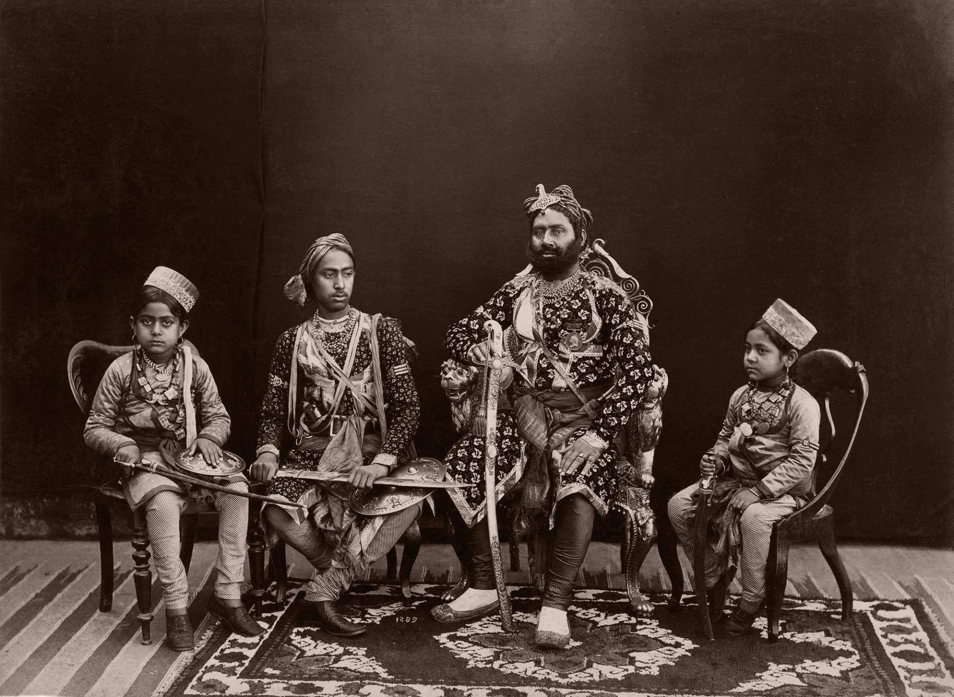 ما هو الجانب المظلم وراء هذه الصور النادرة للهند من القرن الـ19؟