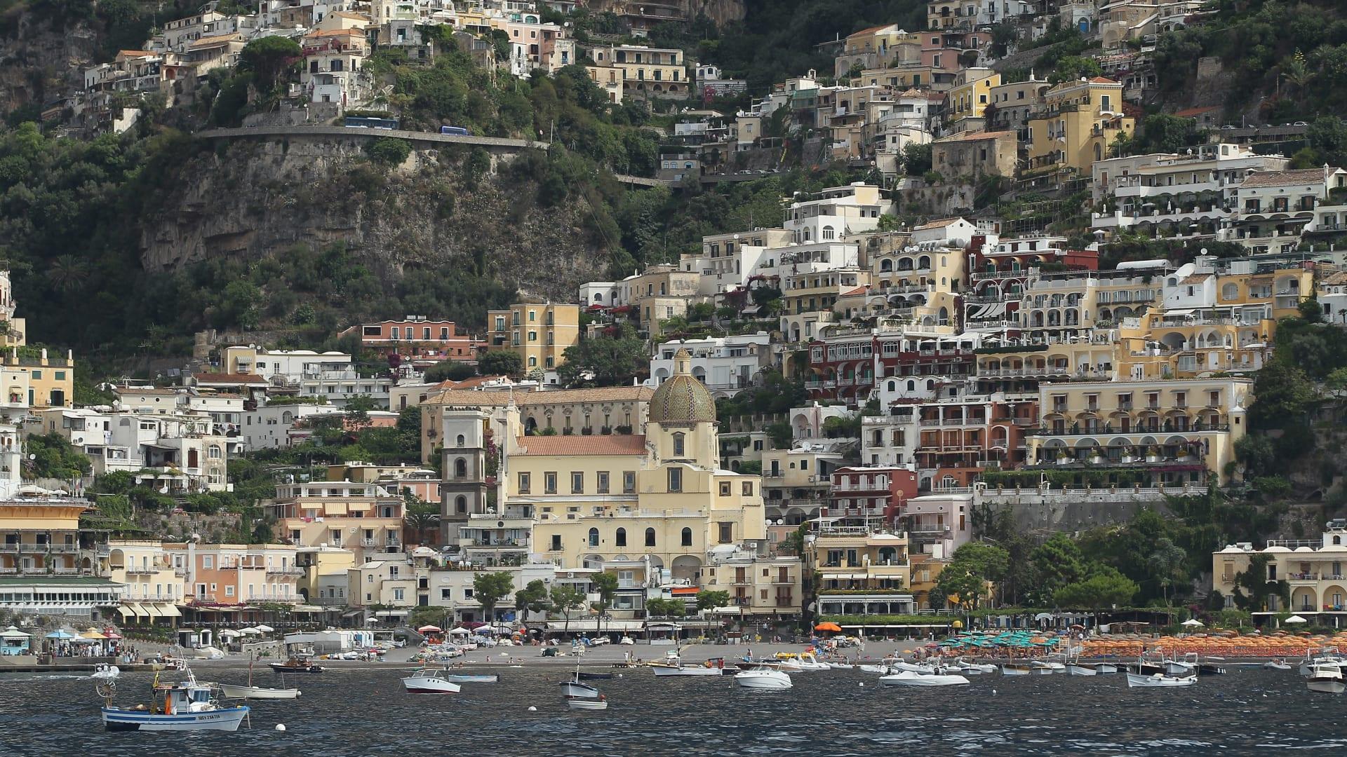 من المغرب إلى إيطاليا.. إليك 10 من أجمل الوجهات حول العالم