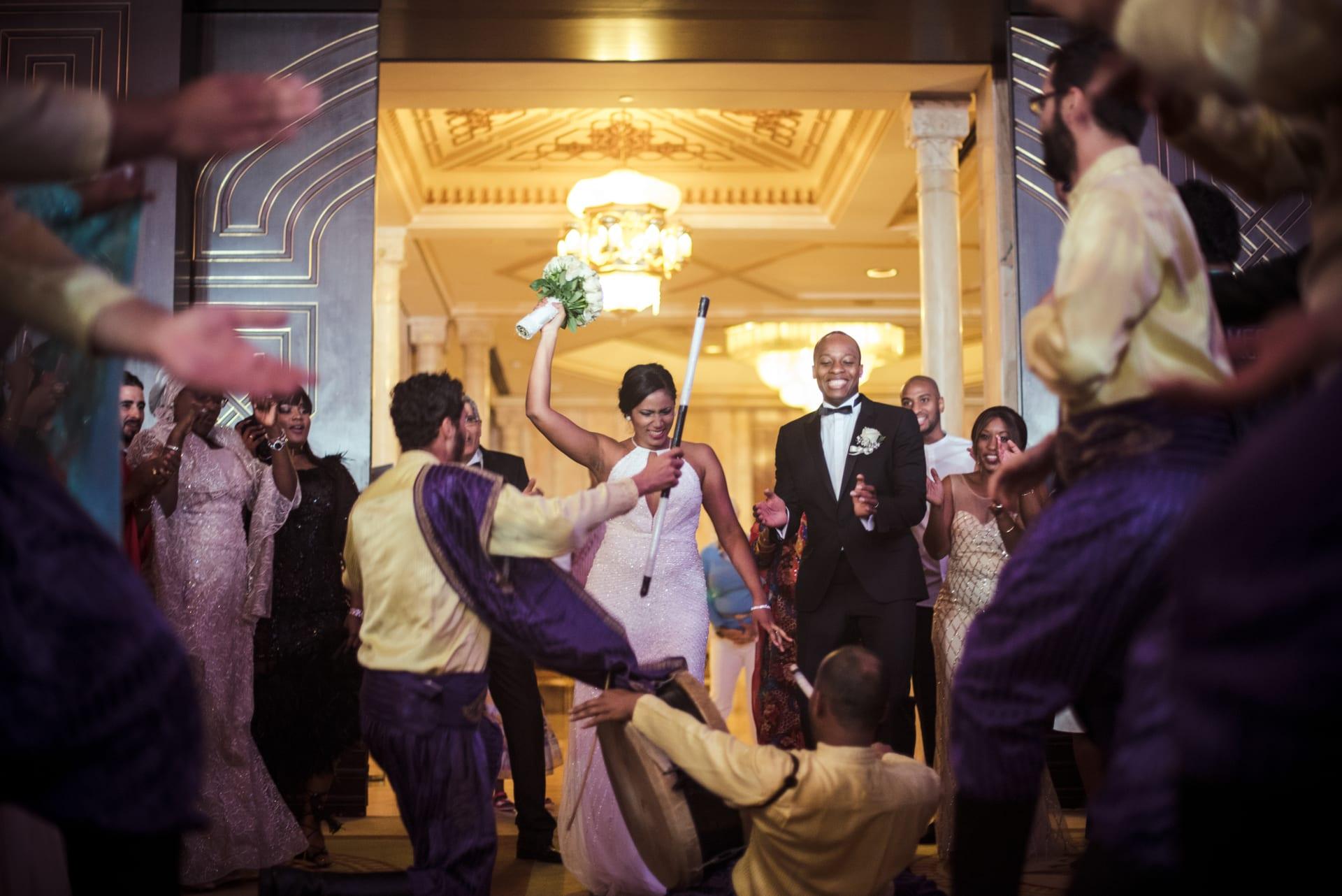 عندما يتغلب الحب على كل شيء..  إليك روائع الأعراس متعددة الثقافات