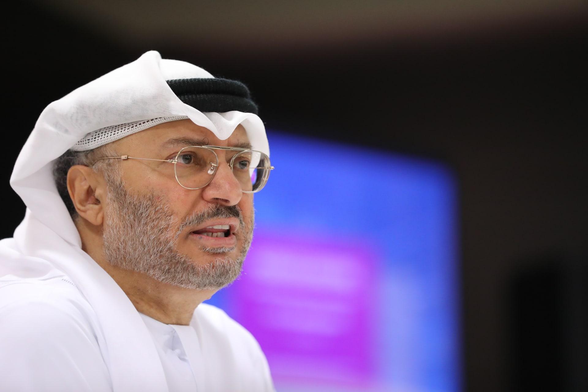 """قضية """"التمييز العنصري"""" ضد القطريين.. قرقاش: فريق الإمارات فند ادعاءات الدوحة"""