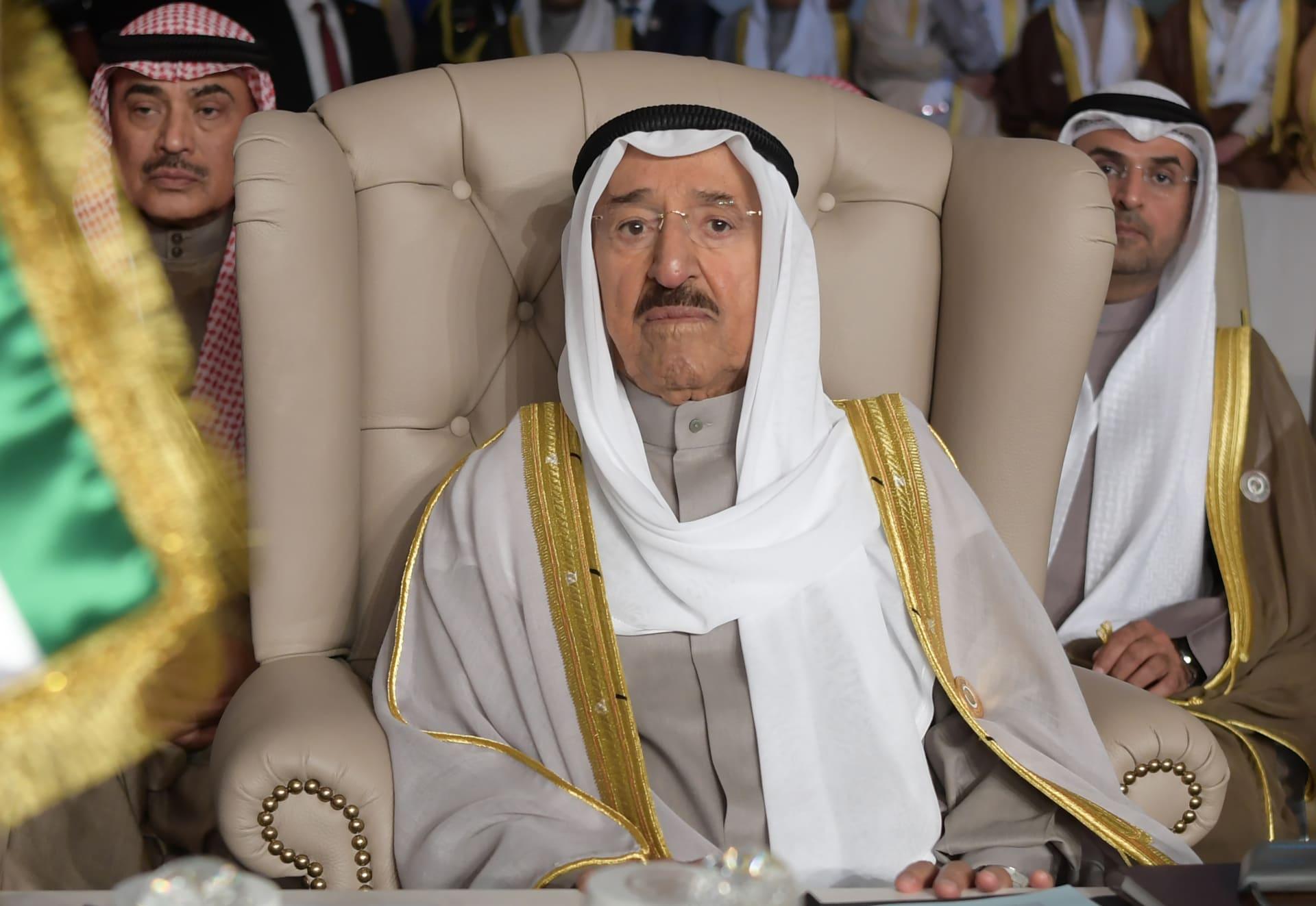 اتصال هاتفي بين أمير الكويت وولي عهد أبوظبي حول استهداف السفن الـ4