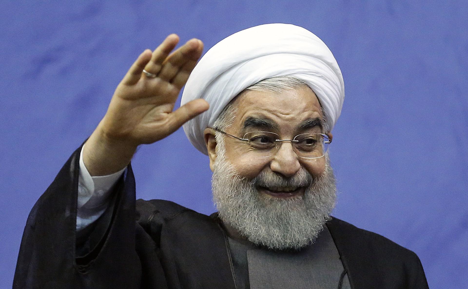 رأي.. كامليا انتخابي فرد تكتب لـCNN: هل يتصل روحاني بترامب؟