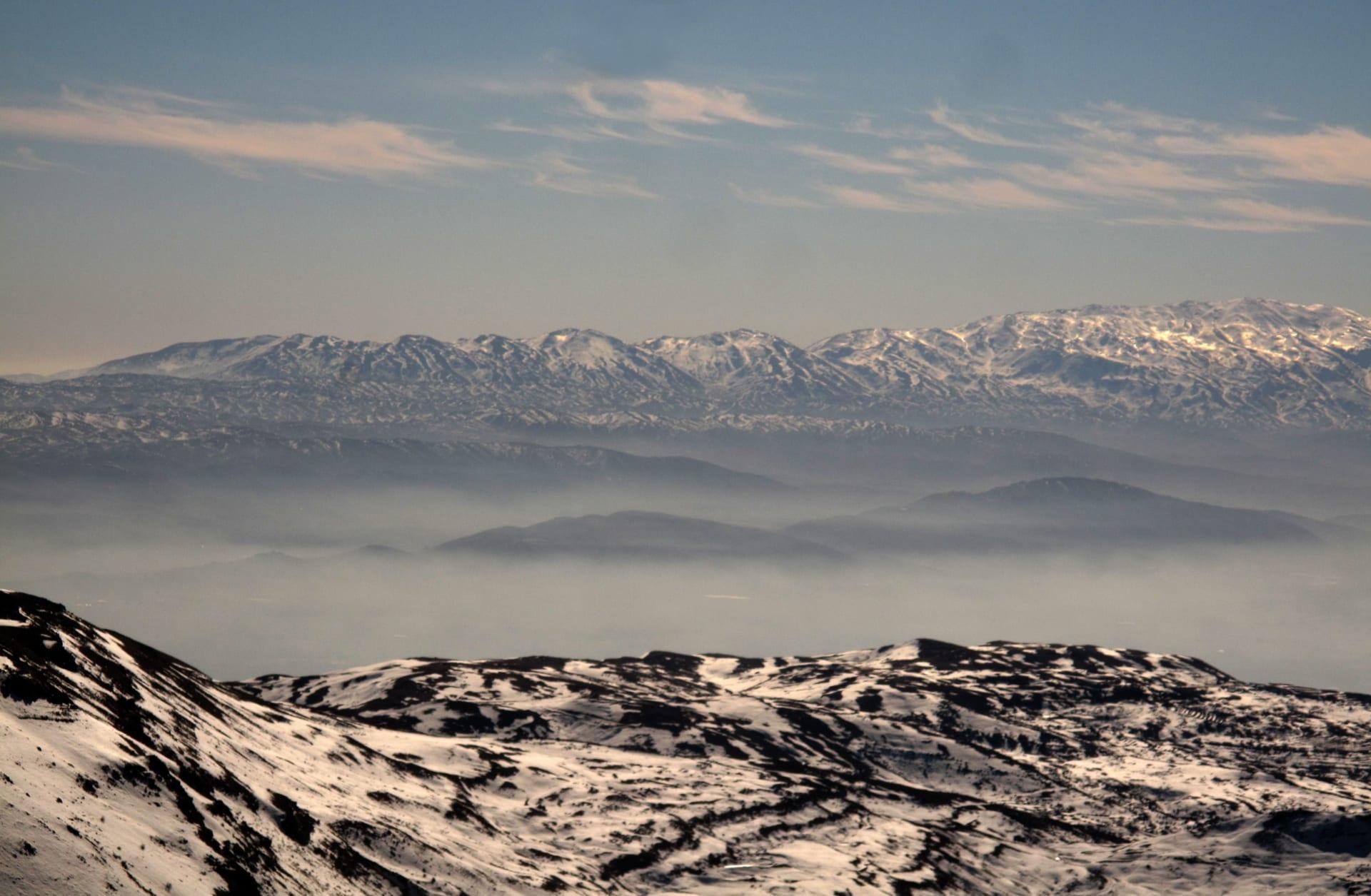 الجيش الإسرائيلي يرصد صاروخين أطلقا من سوريا نحو جبل الشيخ