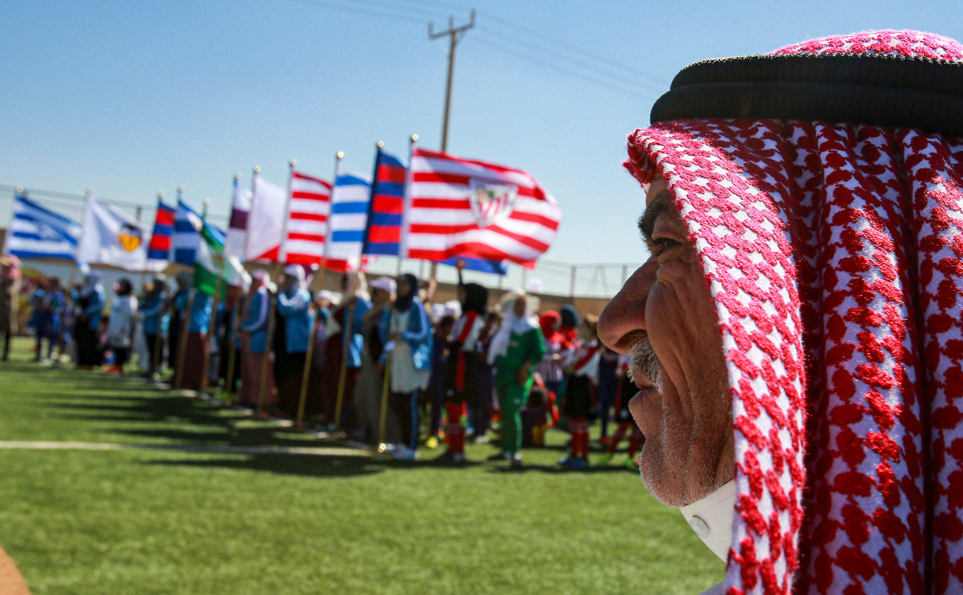 """أندية إسبانيا تلعب في الزعتري.. والأطفال يخوضون تجربة """"الاحتراف"""""""