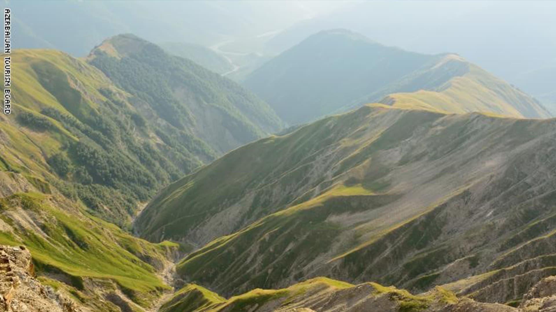 """هل تتحقق الأمنيات على جبل """"باباداغ"""" بأذربيجان؟"""