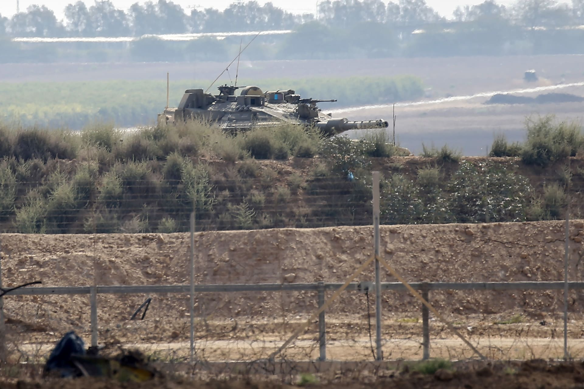 آليات للجيش الإسرائيلي على الحدود مع قطاع غزة