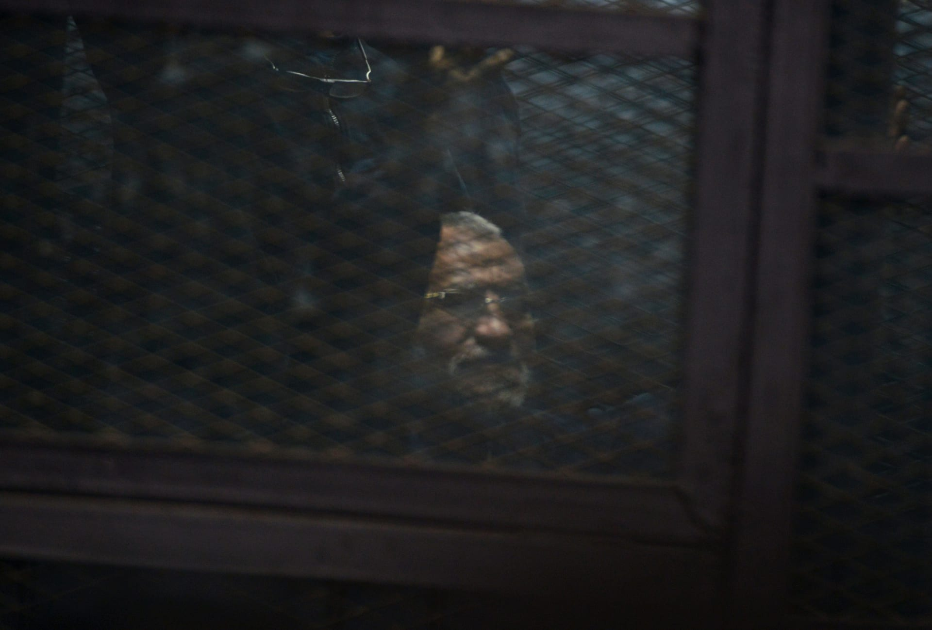 """""""مؤبد"""" لمرشد الإخوان و10 قيادات بالجماعة.. وقاضي """"التخابر"""": """"الوطن لا ينسى من غدر به"""""""