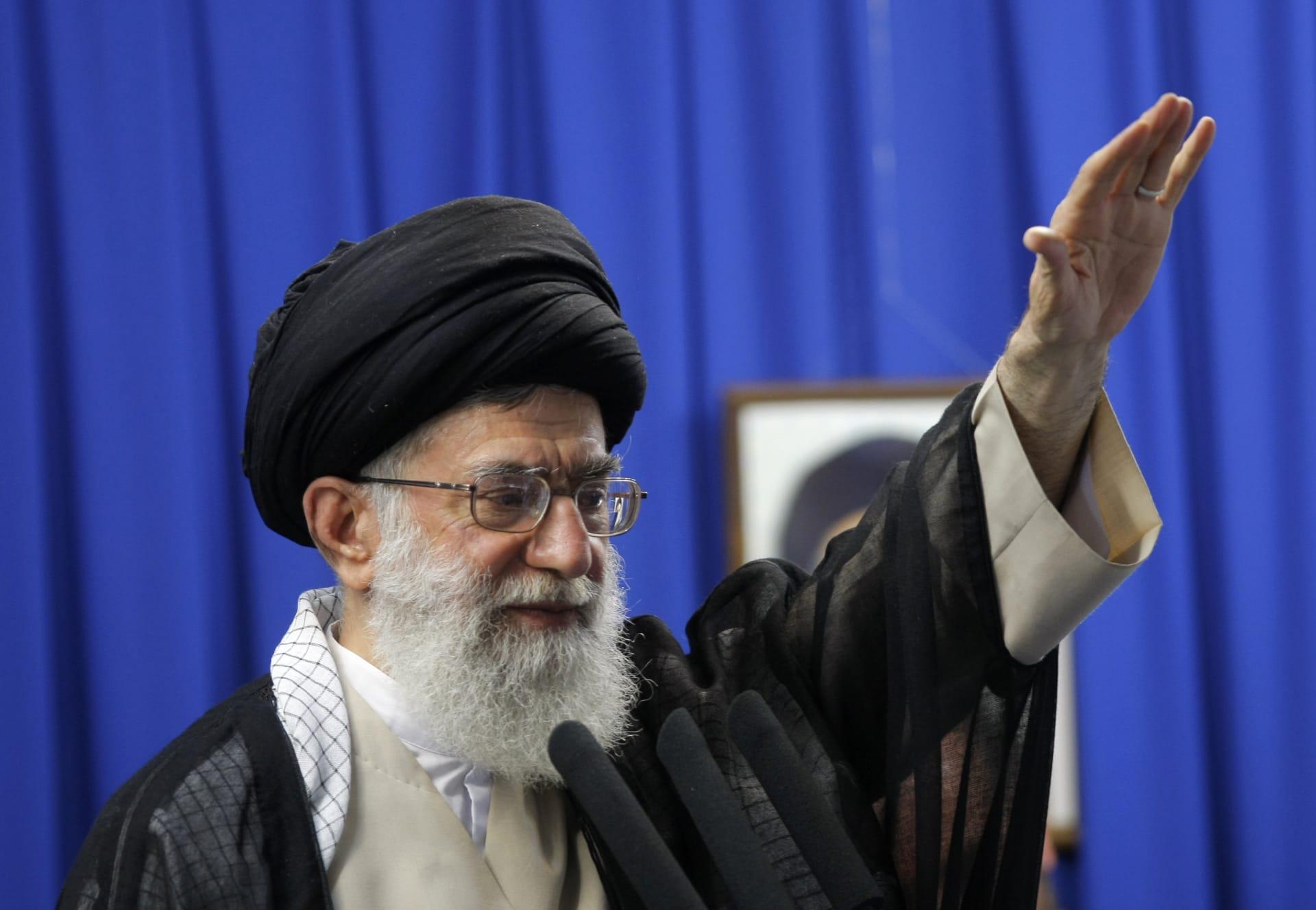 """خامنئي: وعود الأوروبيين """"فارغة"""".. وإيران لم تغلق باب التفاوض مع أي بلد عدا أمريكا وإسرائيل"""