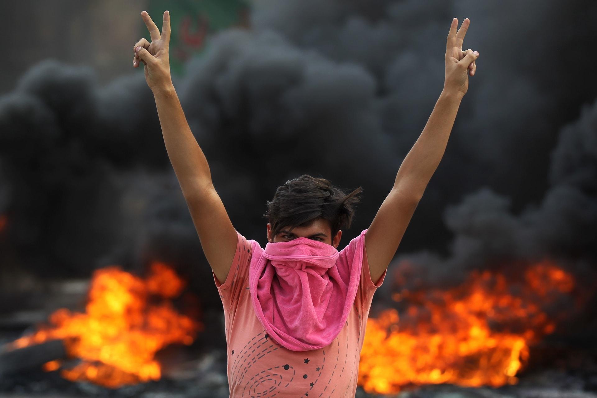 مظاهرات العراق.. قطع طريق مطار بغداد على هامش احتجاجات عنيفة ضد الحكومة