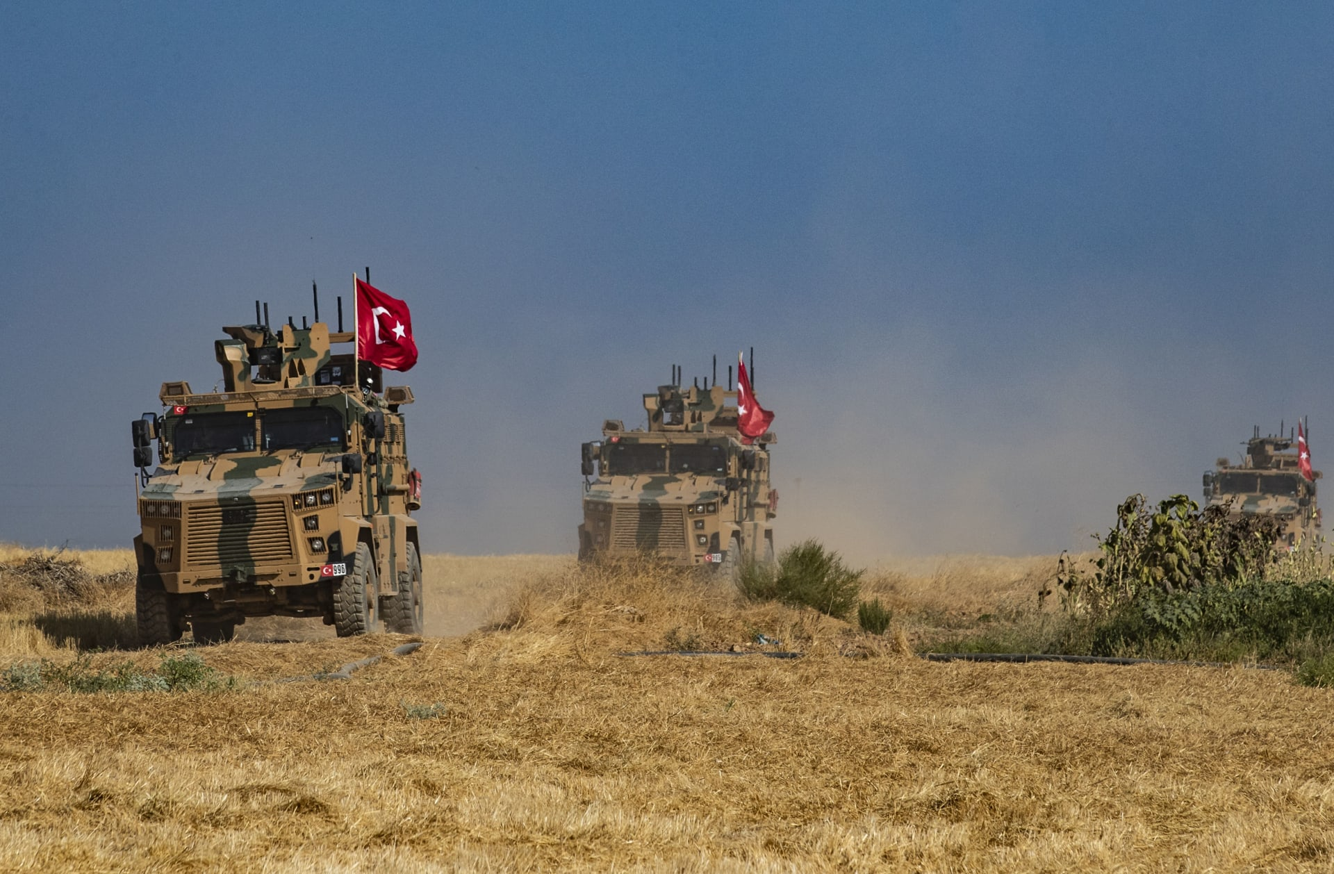 تركيا تتأهب لإطلاق عملية عسكرية شرق الفرات في سوريا.. وواشنطن تحذر
