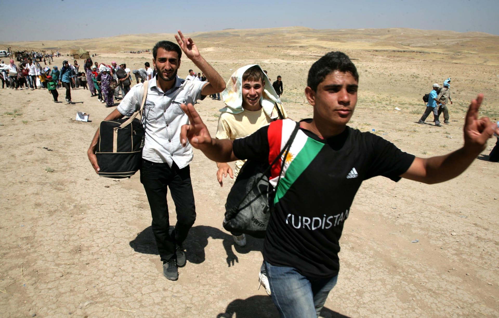 أكثر من 700 لاجئ سوري يفرون من الهجوم التركي إلى العراق