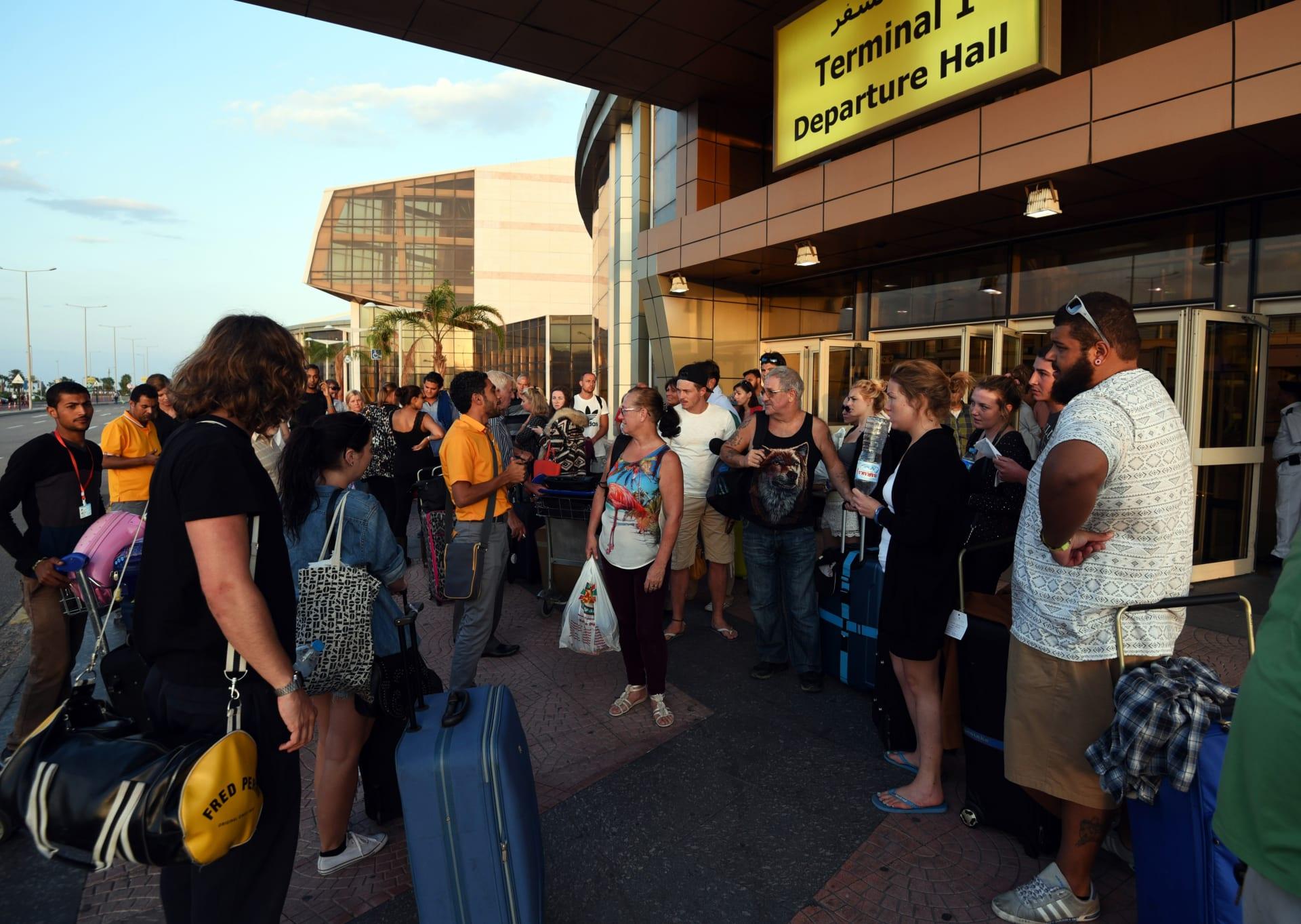 بريطانيا تلغي قيود السفر إلى شرم الشيخ وتعلن استئناف الرحلات الجوية