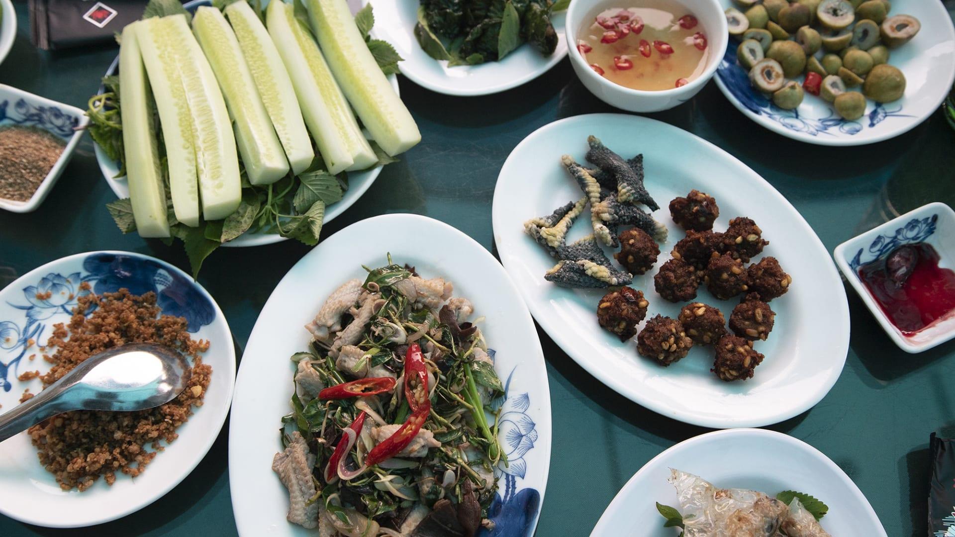 وجبته الأساسية هي الكوبرا..مطعم يقدم وجبات للجرئين فقط
