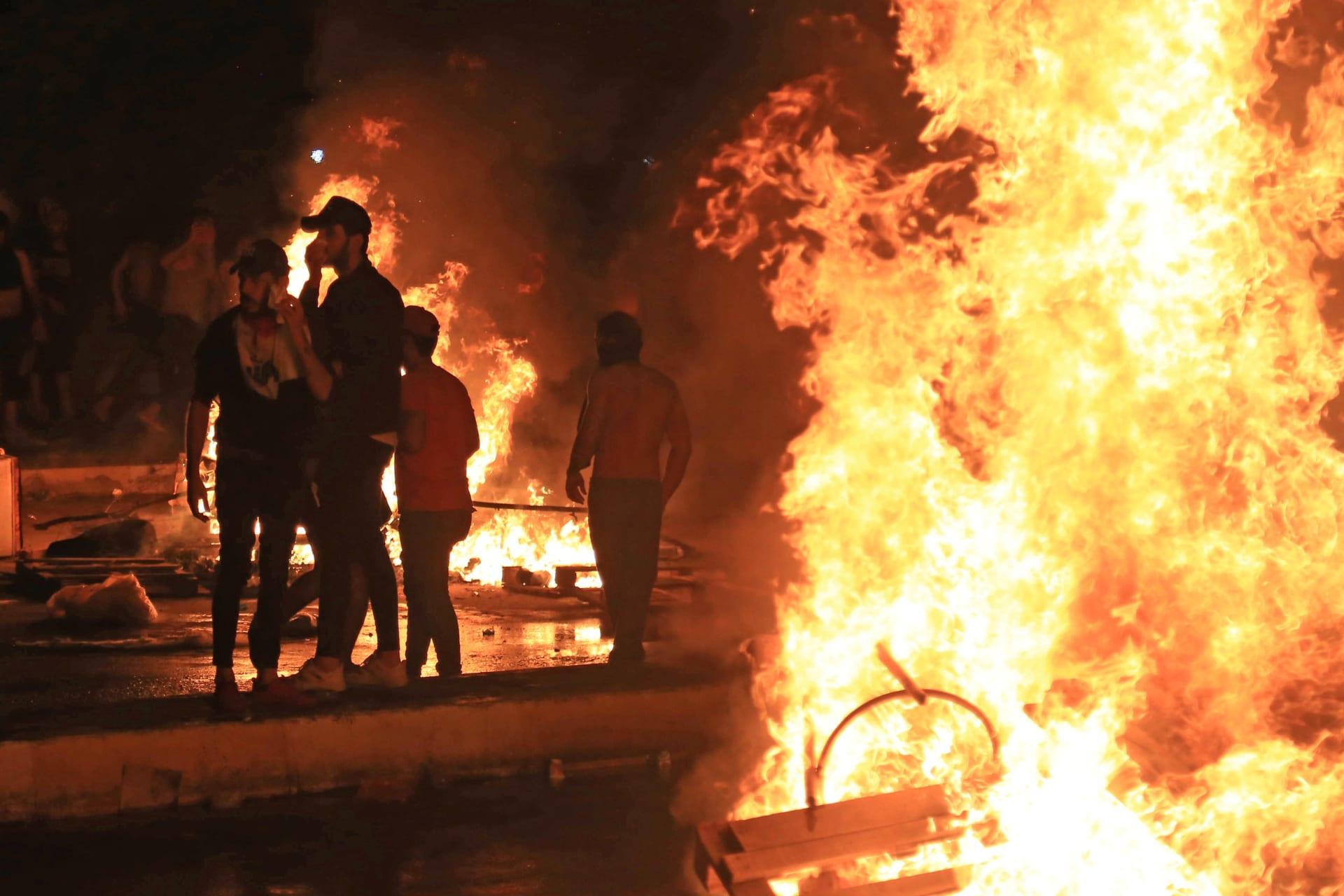 صور مظاهرات العراق.. مصادر لشبكتنا: 12 جثة محروقة في الديوانية.. وهذا عدد القتلى