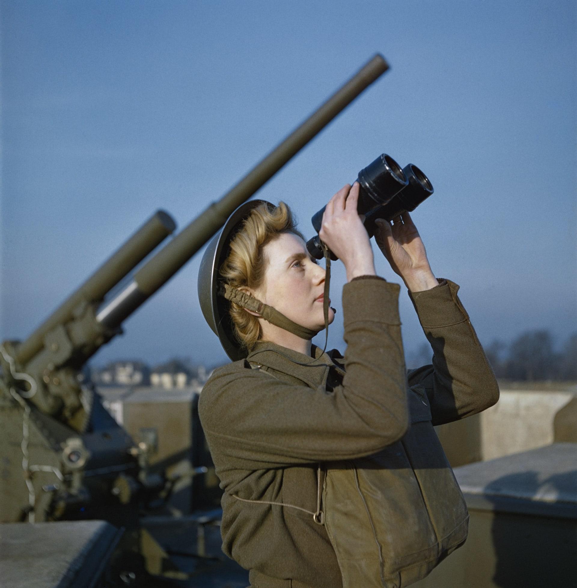 """صور """"ملونة"""" نادرة من الحرب العالمية الثانية تعود إلى الحياة"""