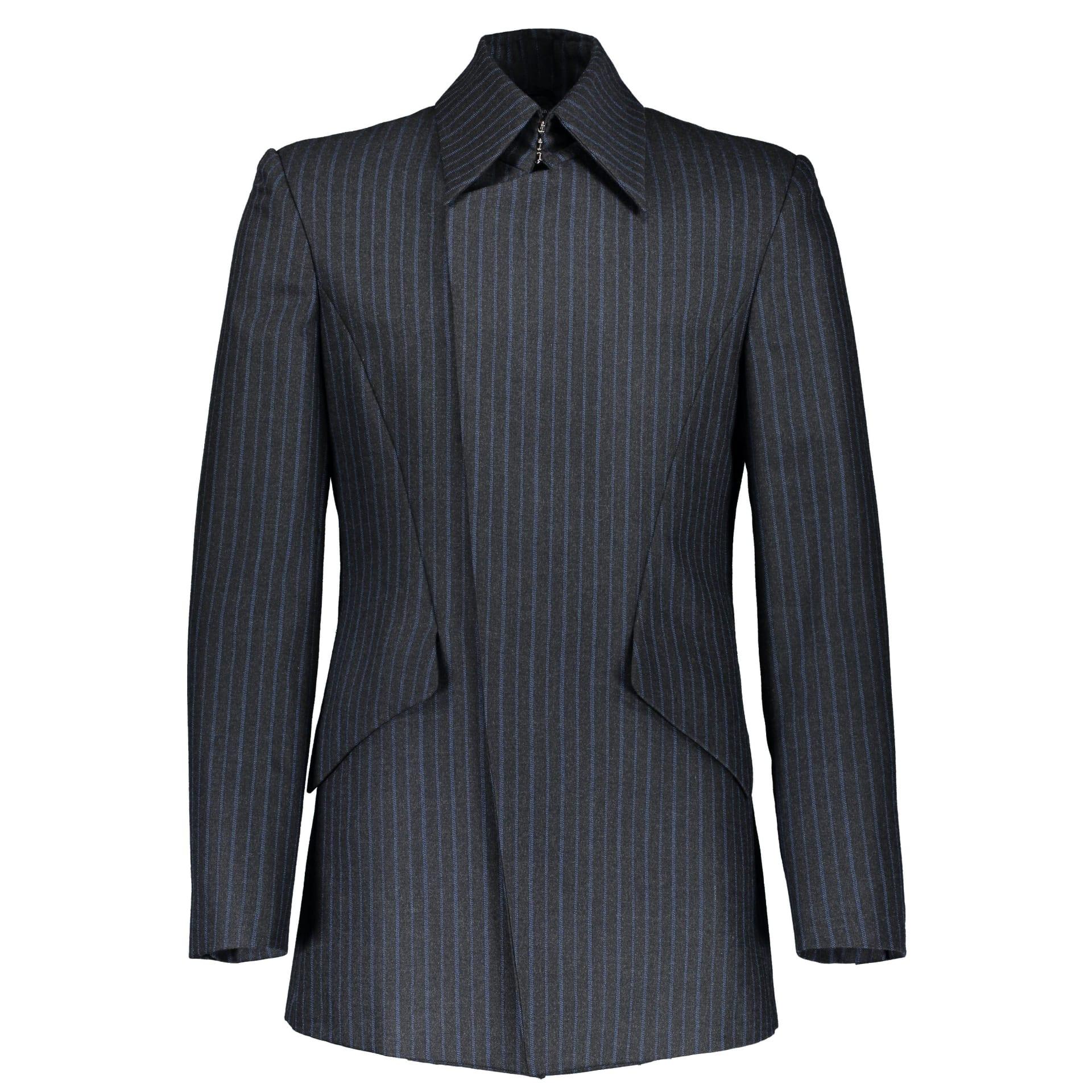 ما الذي يجعل مظهر الرجال بالملابس الموحدة جذاب؟