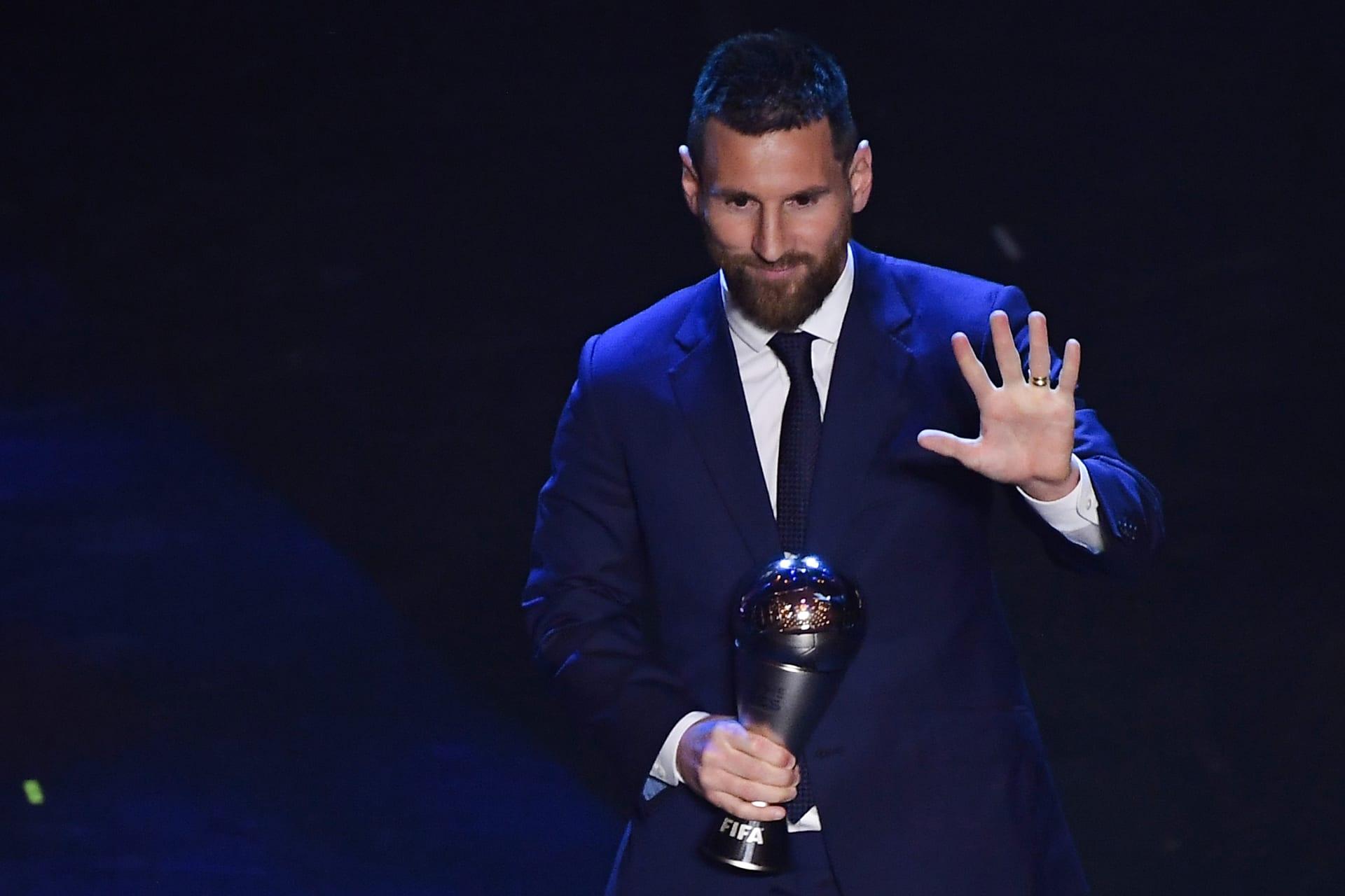 ليونيل ميسي أثناء إعلان فوزه بجائزة أفضل لاعبي كرة القدم في العالم في 2019