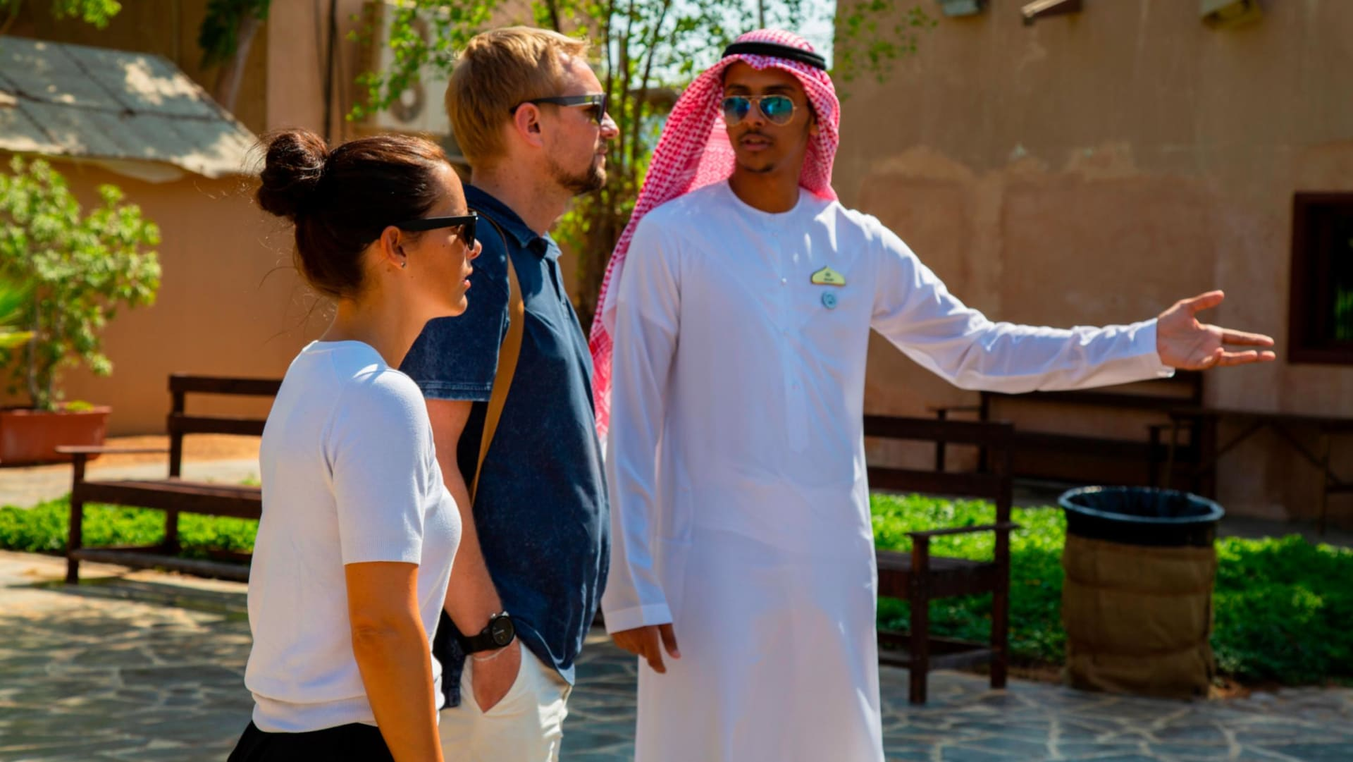 جانب ظل مخفياً إلى الآن.. إليك أبوظبي من عيون مرشدين سياحيين إماراتيين