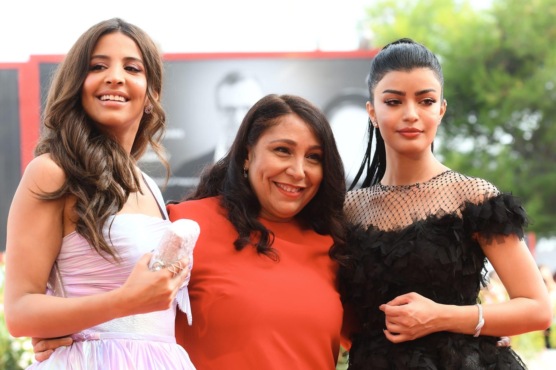 صورة أرشيفية من مشاركة هيفاء المنصور (وسط) في مهرجان فينيسيا في أغسطس 2019