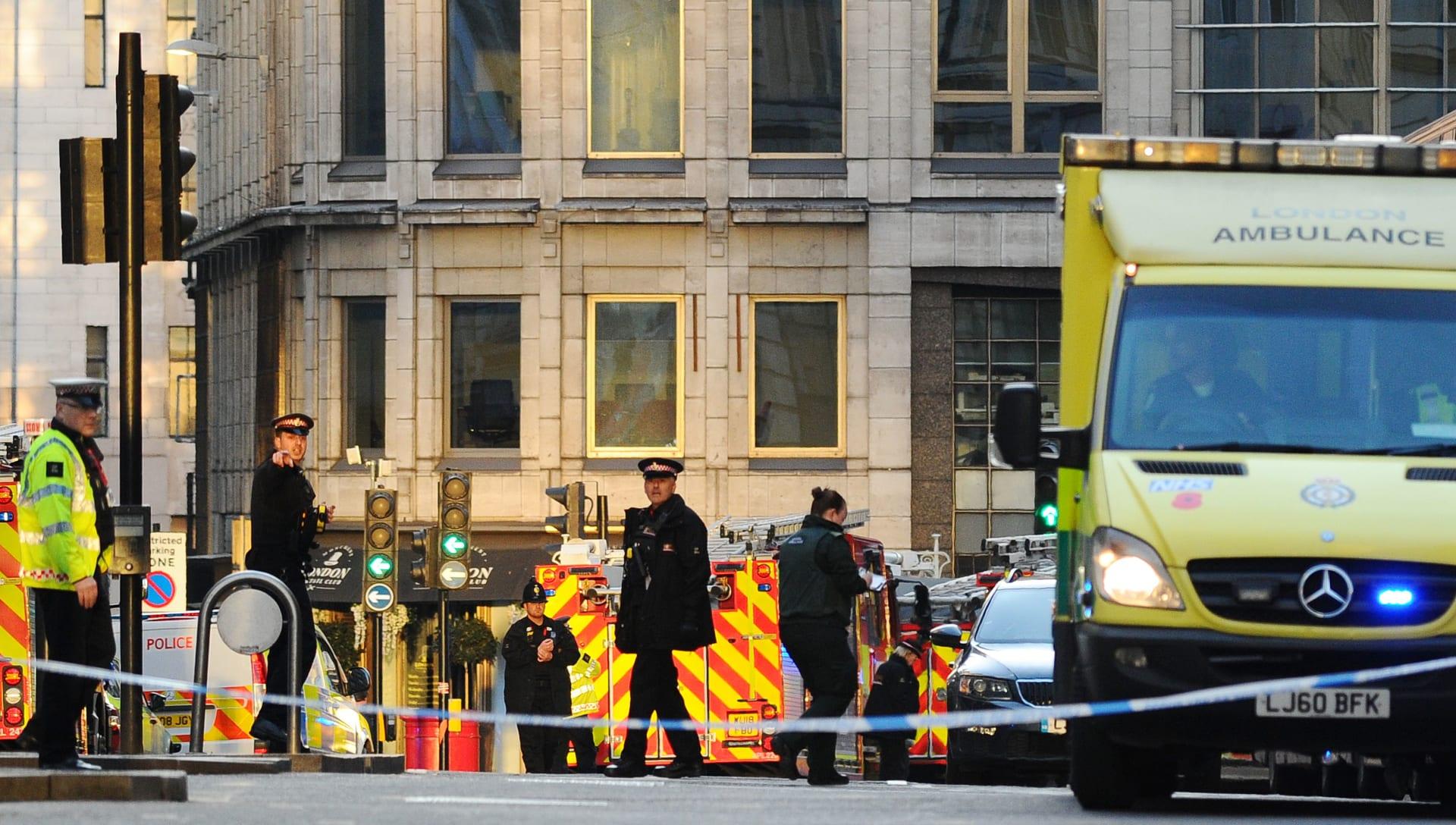 إصابة عدد من الأشخاص ومقتل المشتبه به في حادث الطعن في لندن