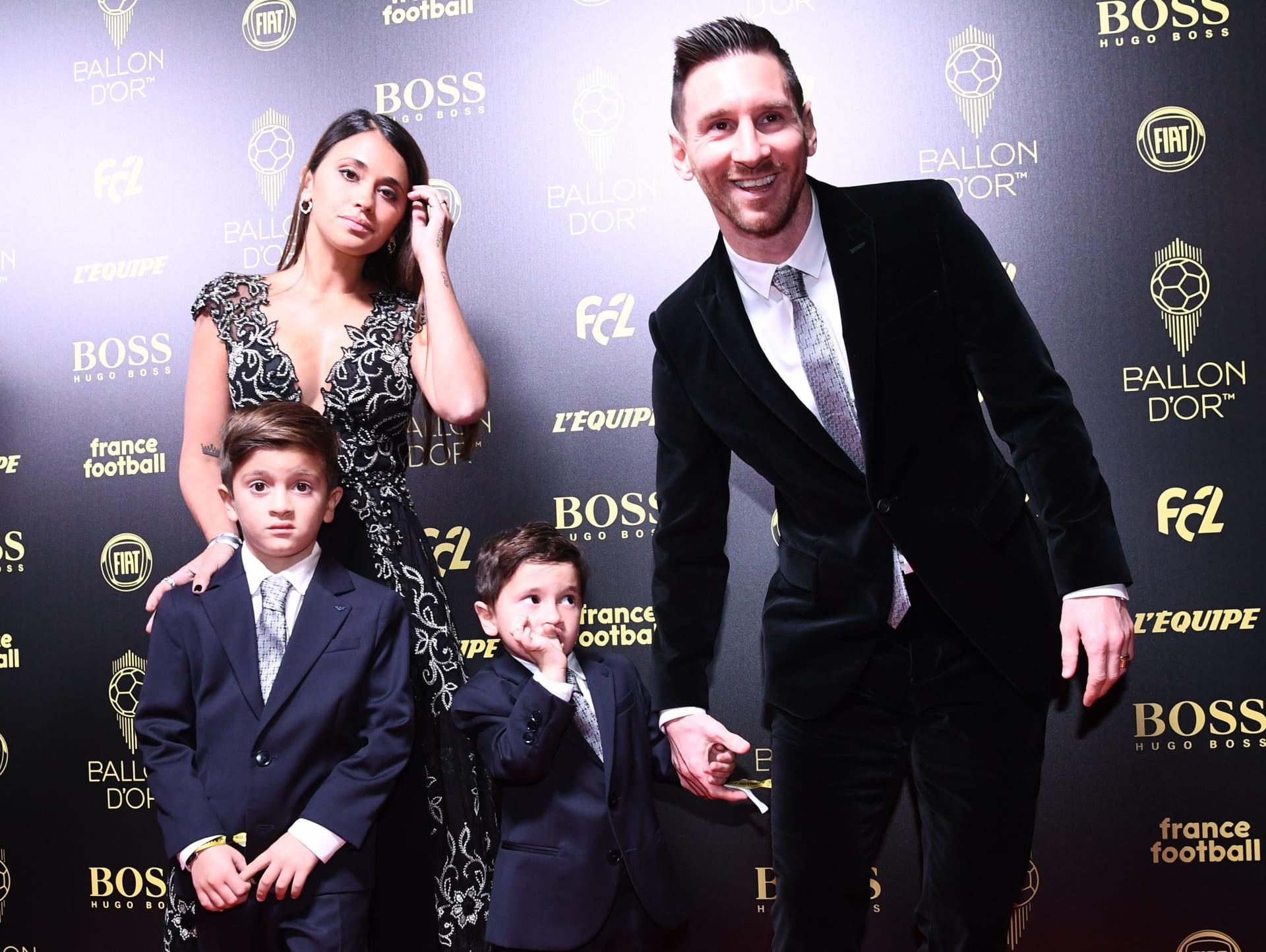 فرحة ابن ميسي العفوية بفوز والده بالكرة الذهبية تثير تفاعل الملايين حول العالم