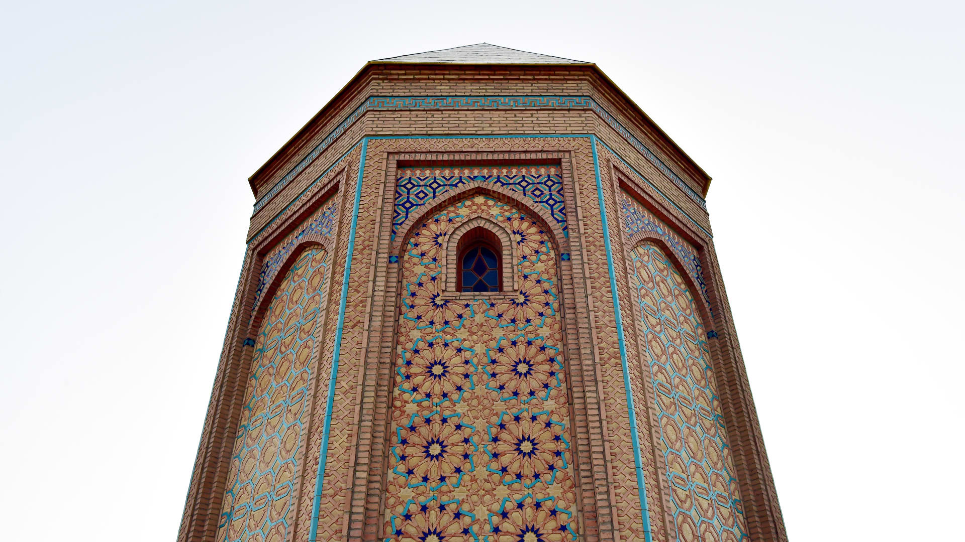إليك 8 روائع معمارية يجب زيارتها بأذربيجان