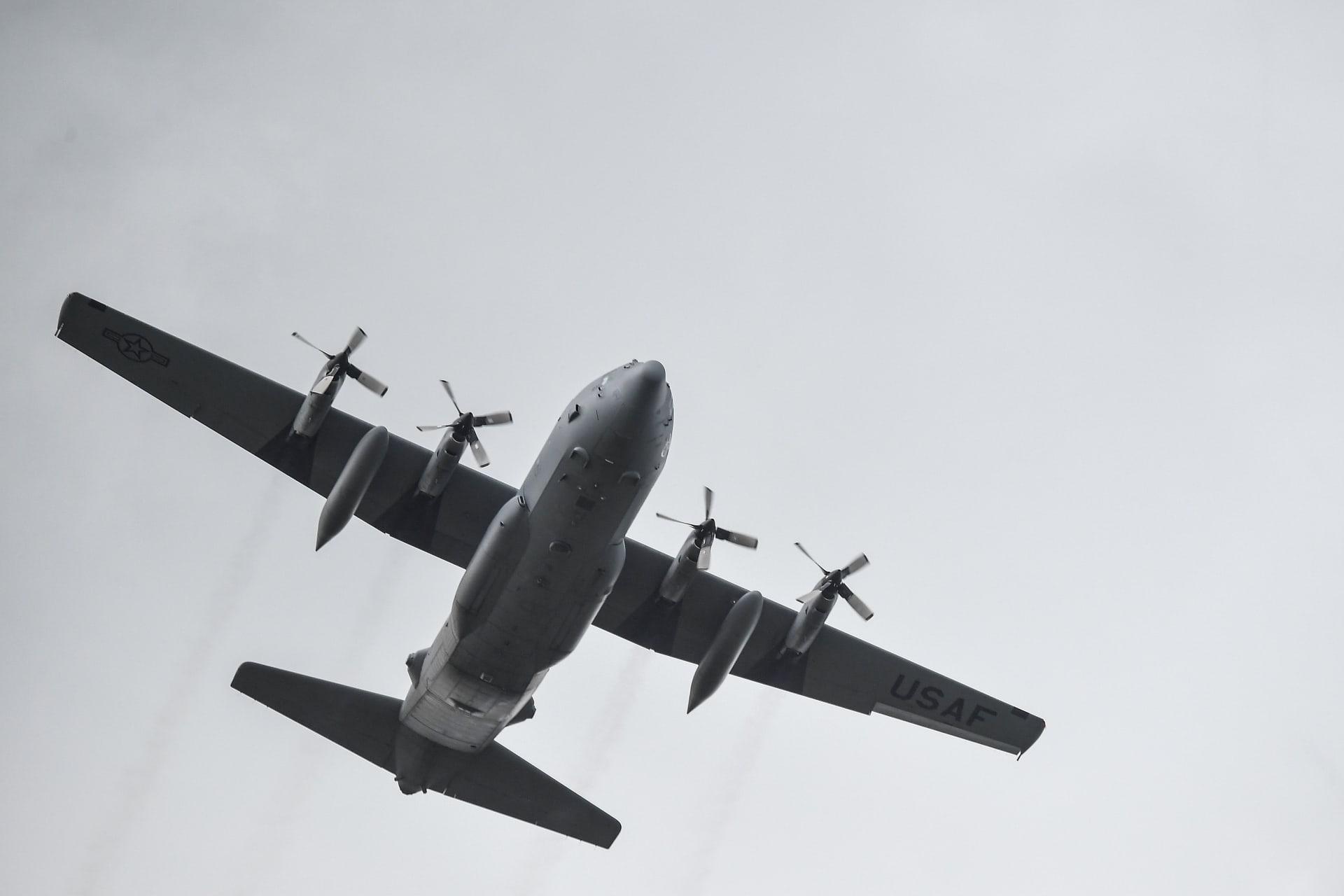 """طائرة عسكرية من طراز """"سي 130 هيركليز"""""""