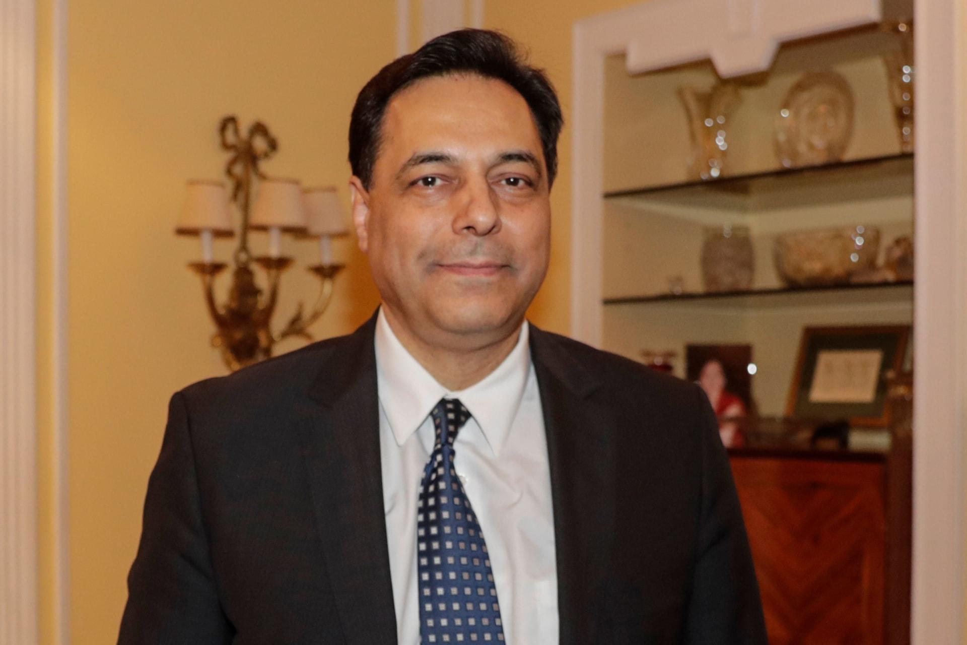 حسان دياب رئيس الوزراء المكلف في لبنان