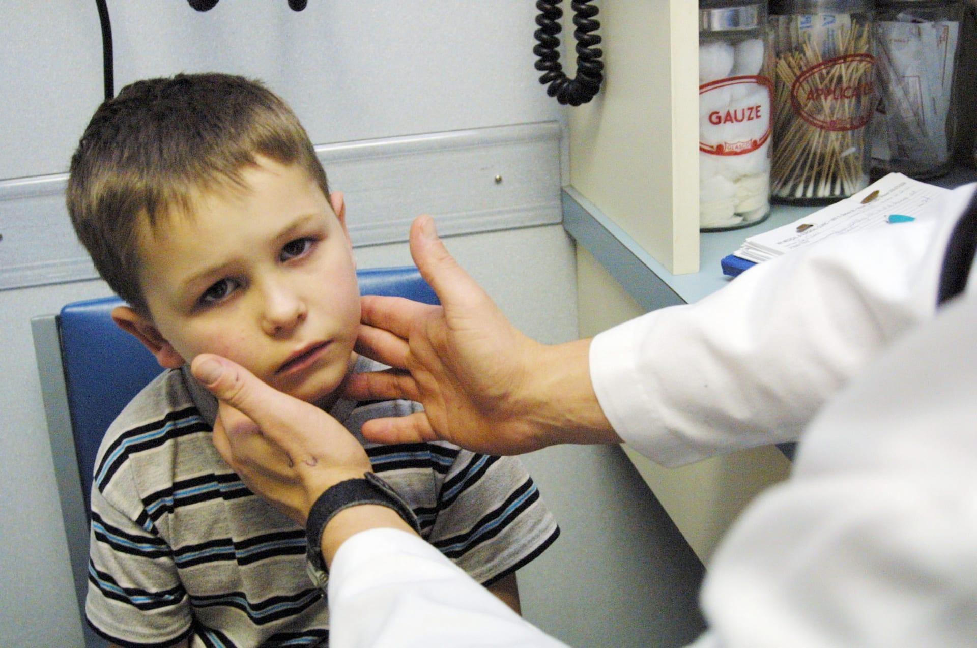 دراسة جديدة: إعطاء الرضع مضادات حيوية مرتبط بالحساسية في مرحلة الطفولة