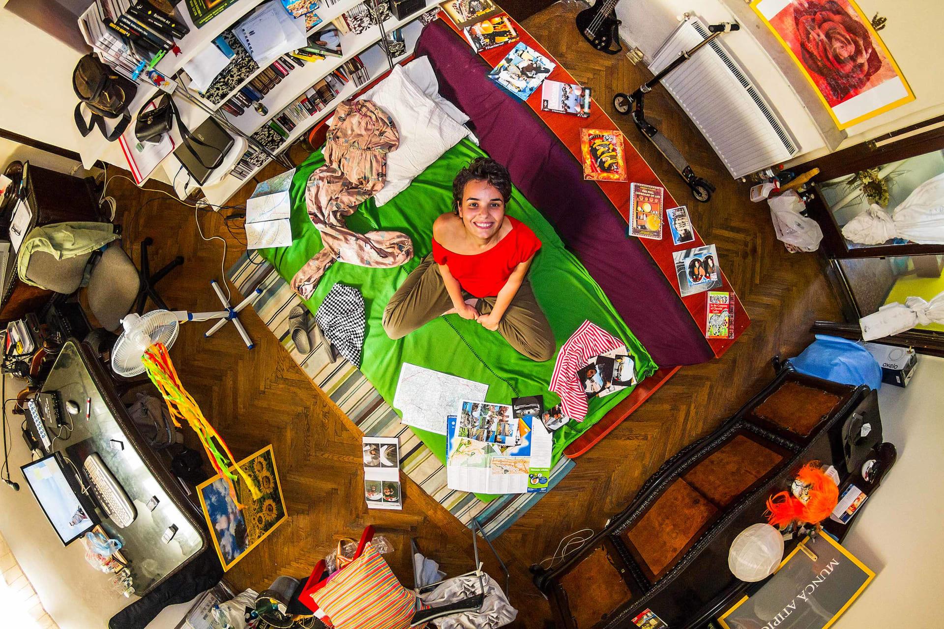 الغرفة 192 – أندريا – 24 عاماً – مهندسة مدنية – بوخارست - رومانيا