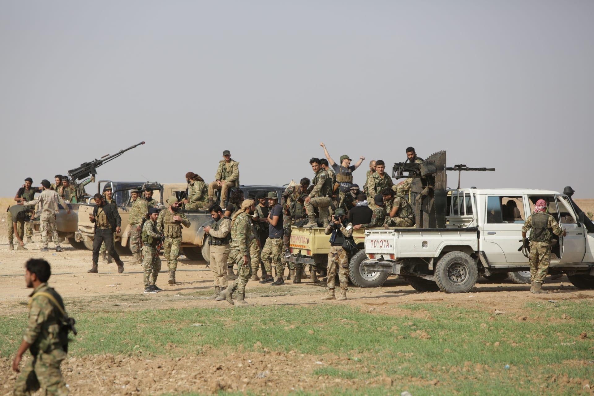 المرصد السوري: فصائل سورية موالية لتركيا فتحت مكاتب تسجيل راغبي القتال في ليبيا برواتب مُغرية