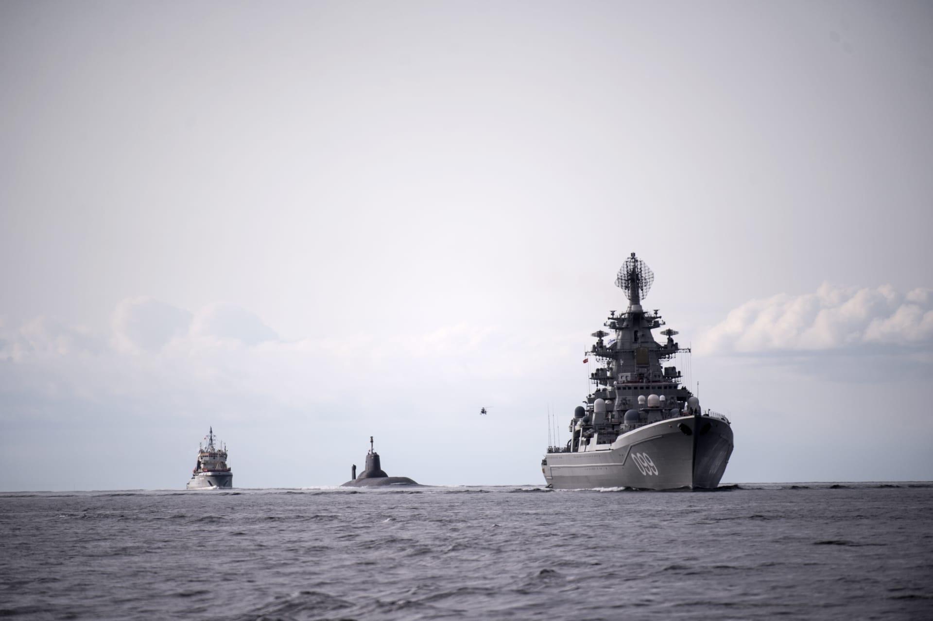 """الجيش الروسي: تصرف طاقم المُدمرة الأمريكية مع السفينة الحربية الروسية """"غير مهني"""""""