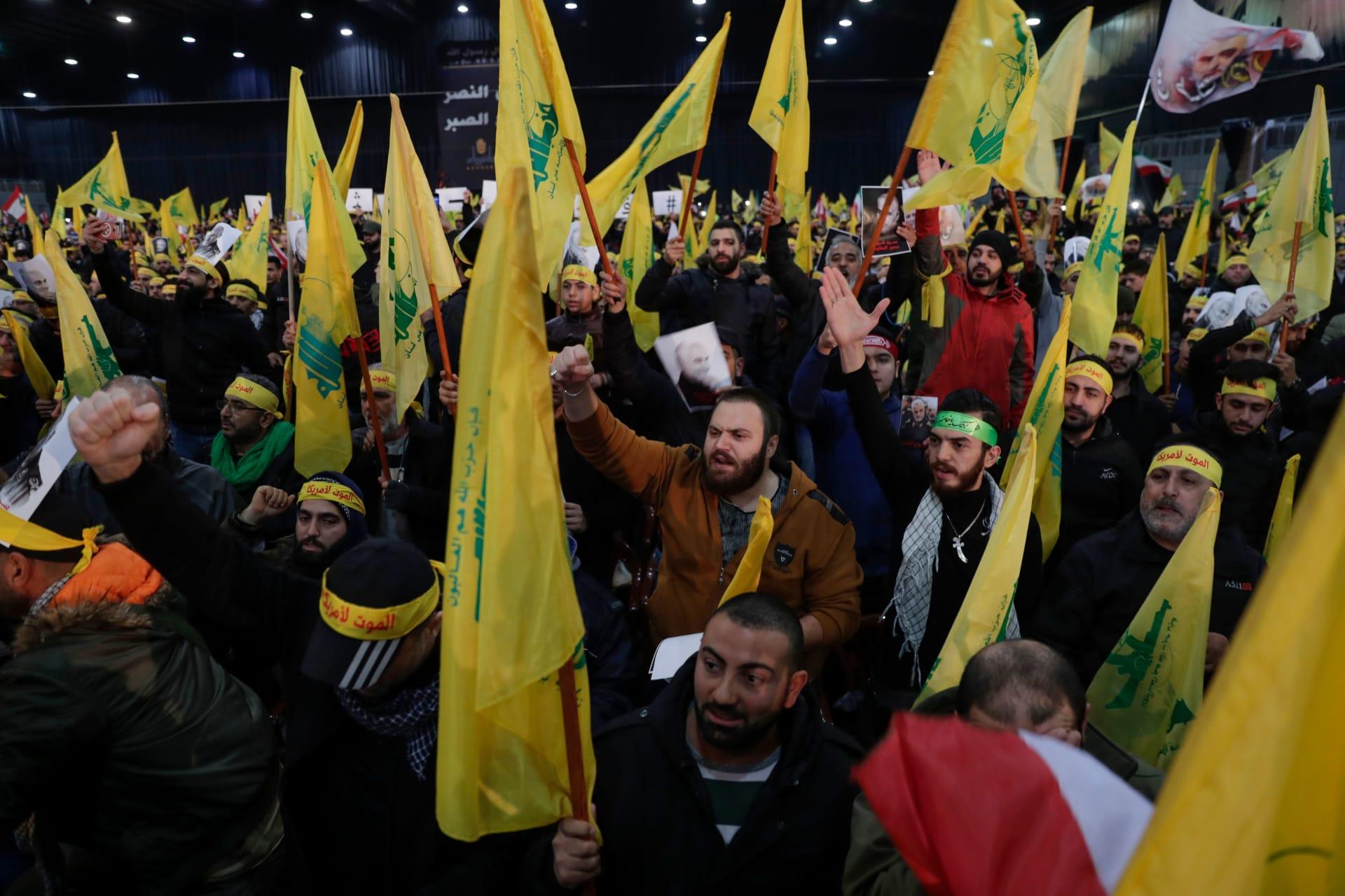 عدد من أنصار حزب الله اللبناني أثناء كلمة لحسن نصر الله في بيروت