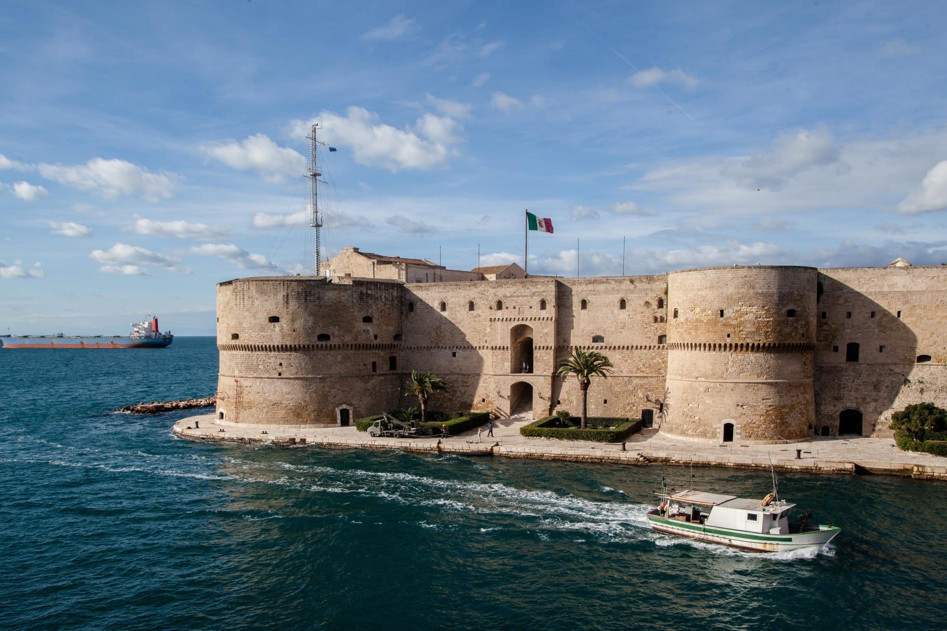 تفضل حياة المدن؟ أول مدينة إيطالية تعرض منازل بقيمة دولار