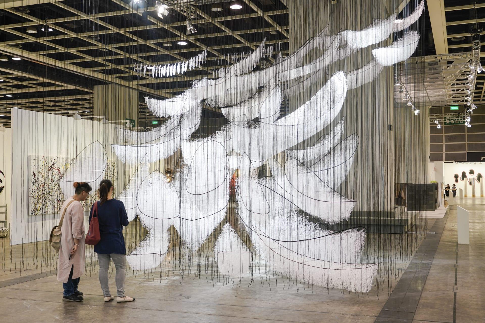 وسط مخاوف فيروس كورونا.. أكبر معرض فني بآسيا عرضة للإلغاء