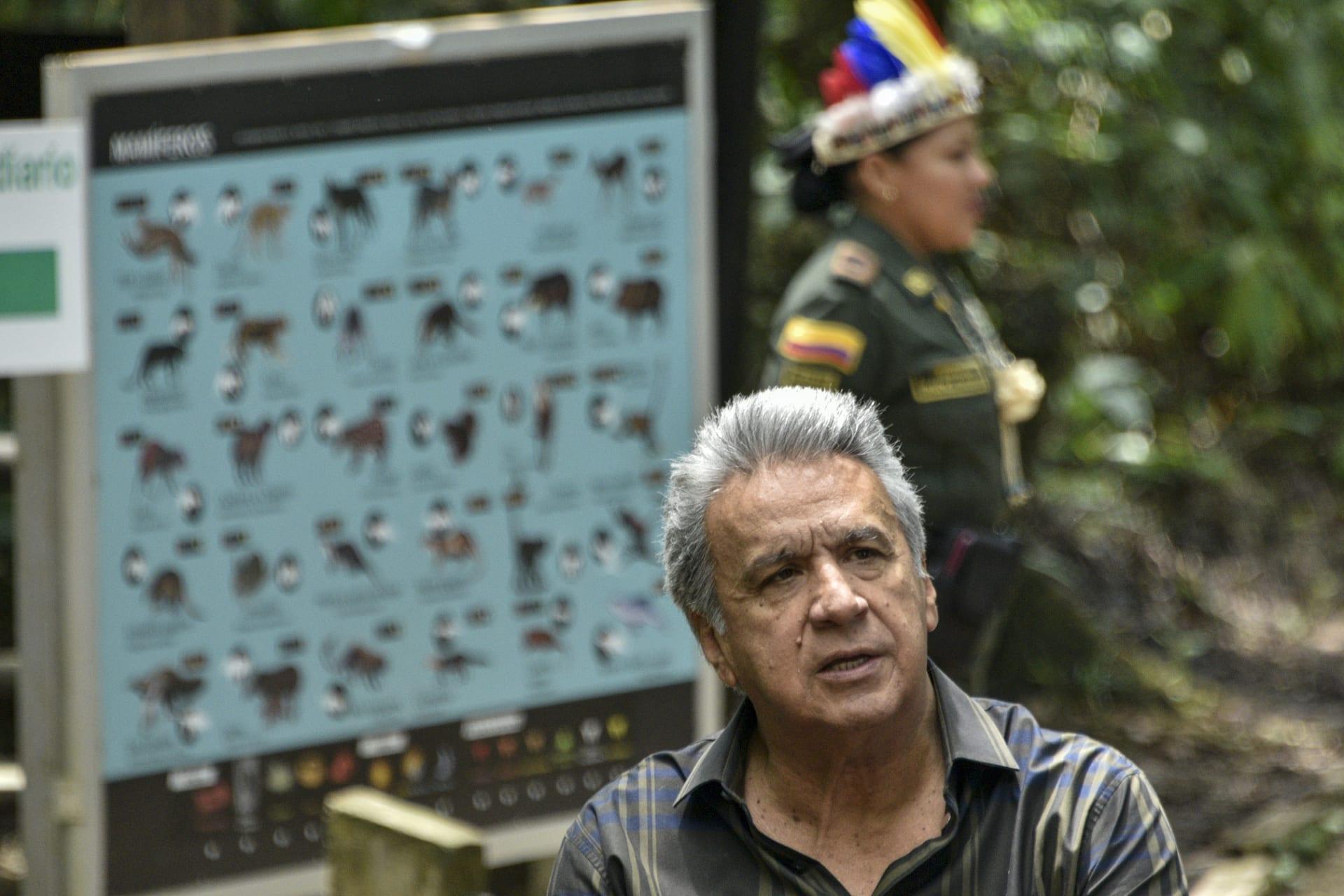 """رئيس الإكوادور يعتذر بعد قوله النساء """"يستهدفن"""" الرجال """"القُبحاء"""" فقط في مزاعم التحرش"""