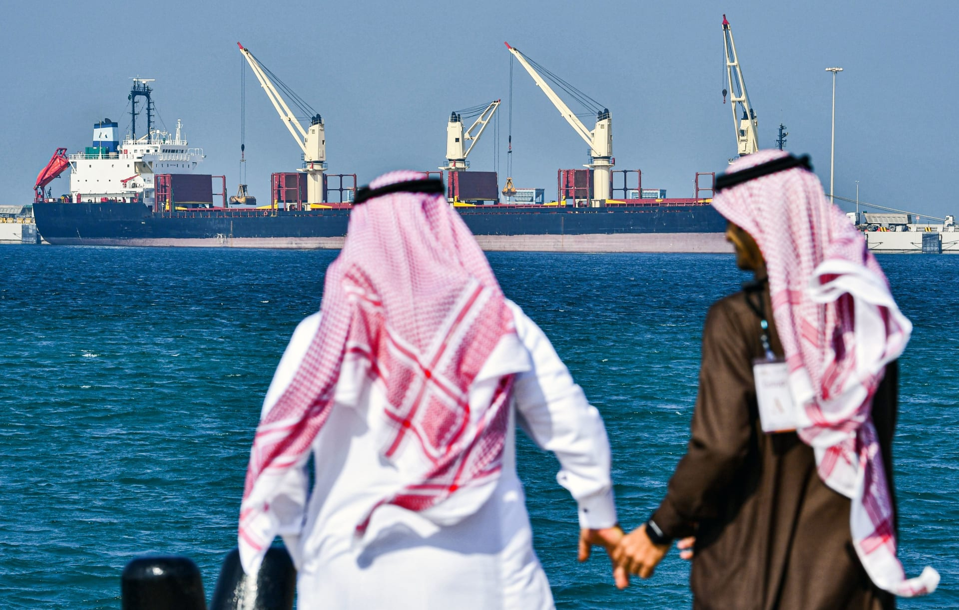 بعد ما أثير عبر الشبكات الاجتماعية.. السعودية تنفي إلغاء نظام الكفالة
