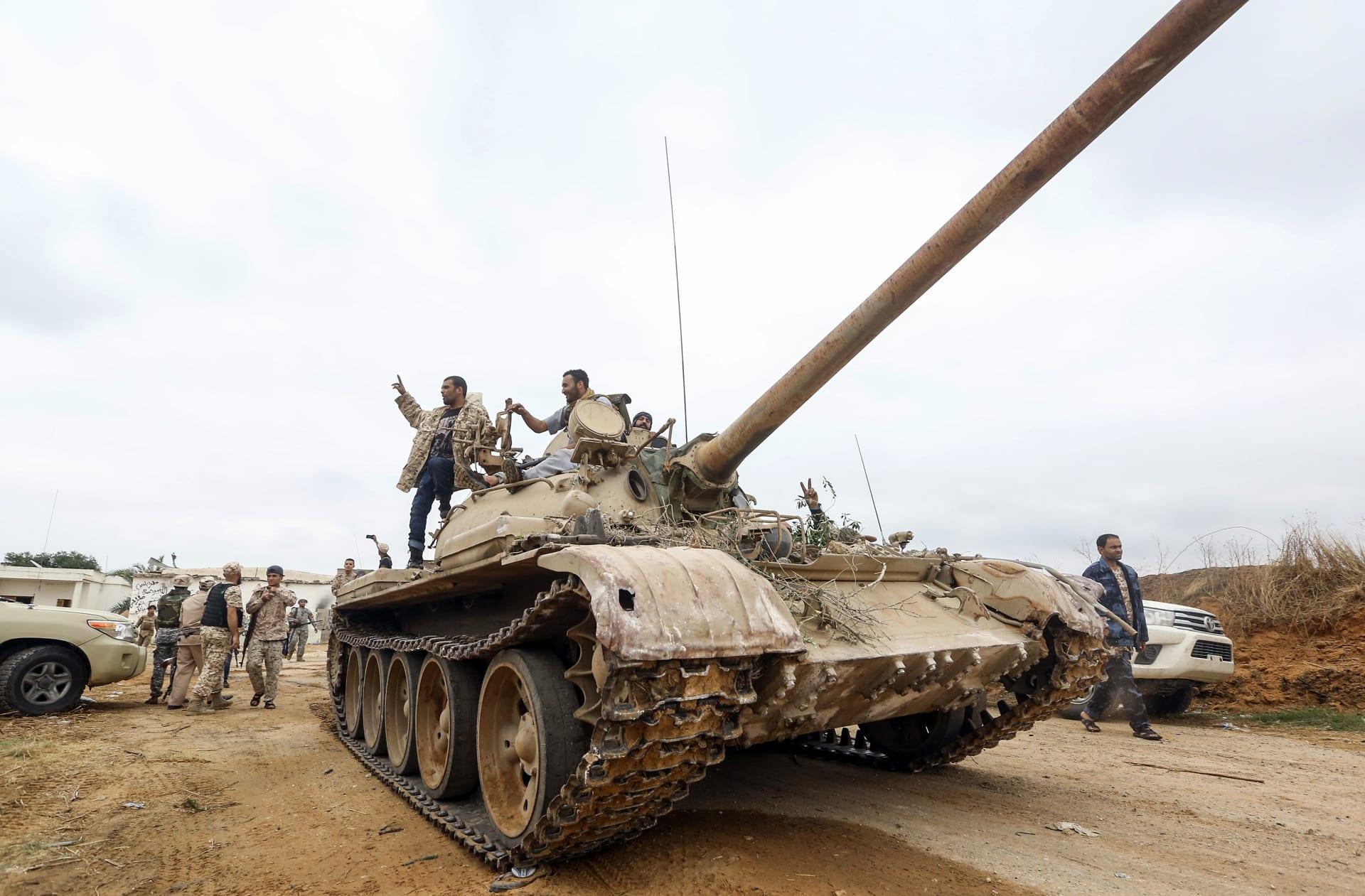 إيطاليا تحتجز قائد سفينة لبنانية بشبهة تهريب أسلحة بين تركيا وليبيا