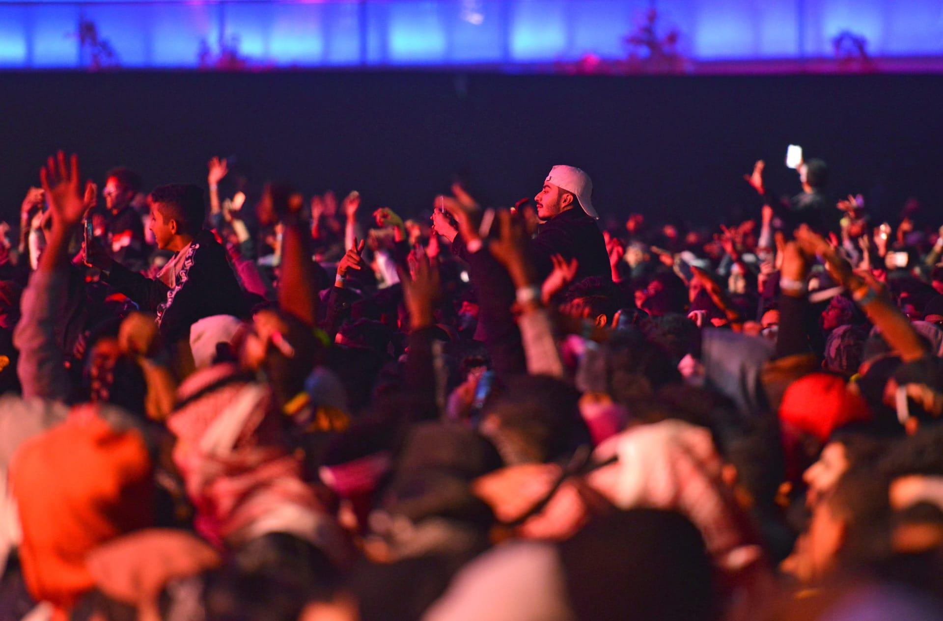 منها حفل لحماقي وتايغا.. تأجيل 3 مهرجانات فنية وسينمائية بالسعودية بسبب فيروس كورونا