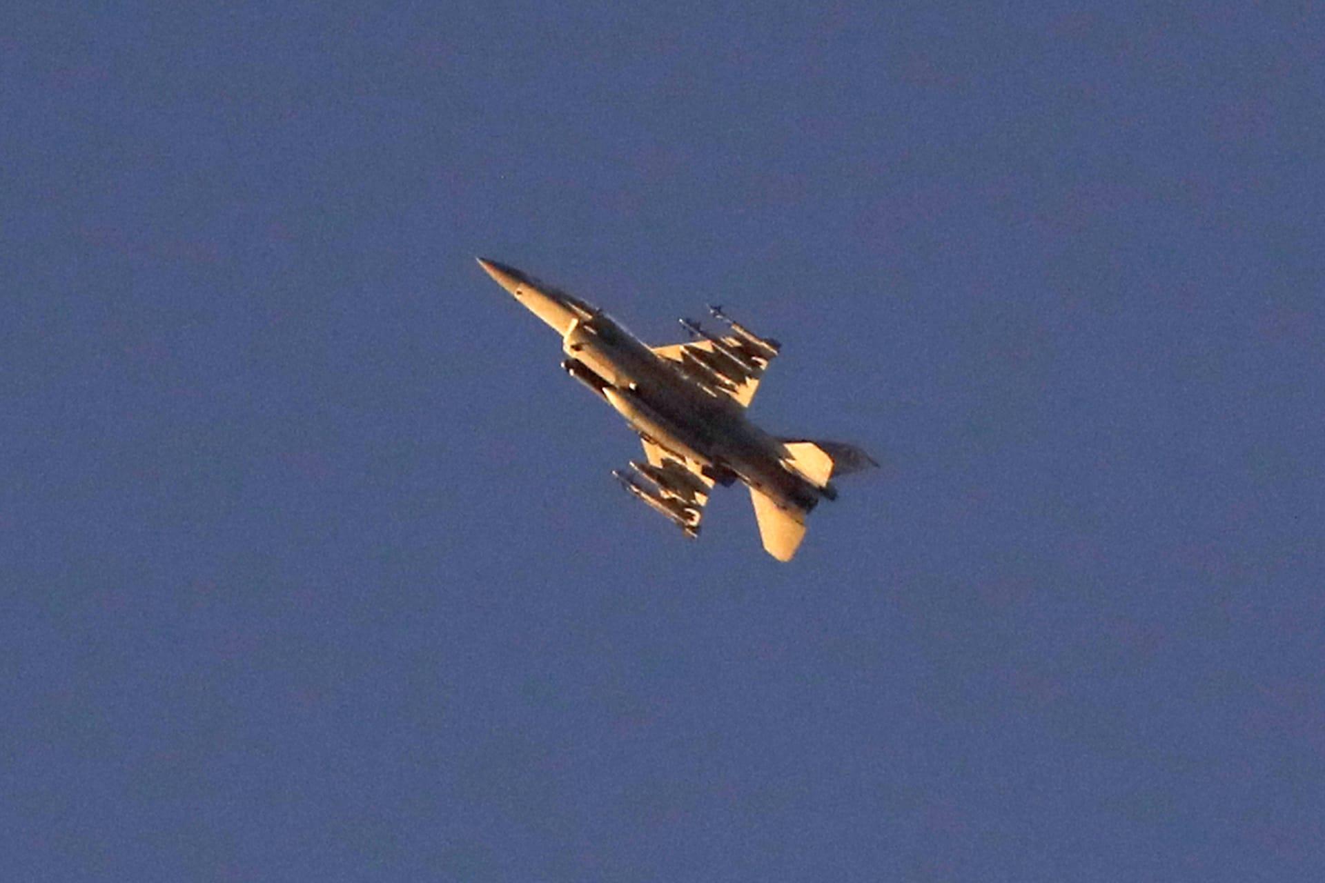 سانا: الدفاعات السورية اعترضت صواريخ أطلقتها طائرات إسرائيلية من أجواء لبنان