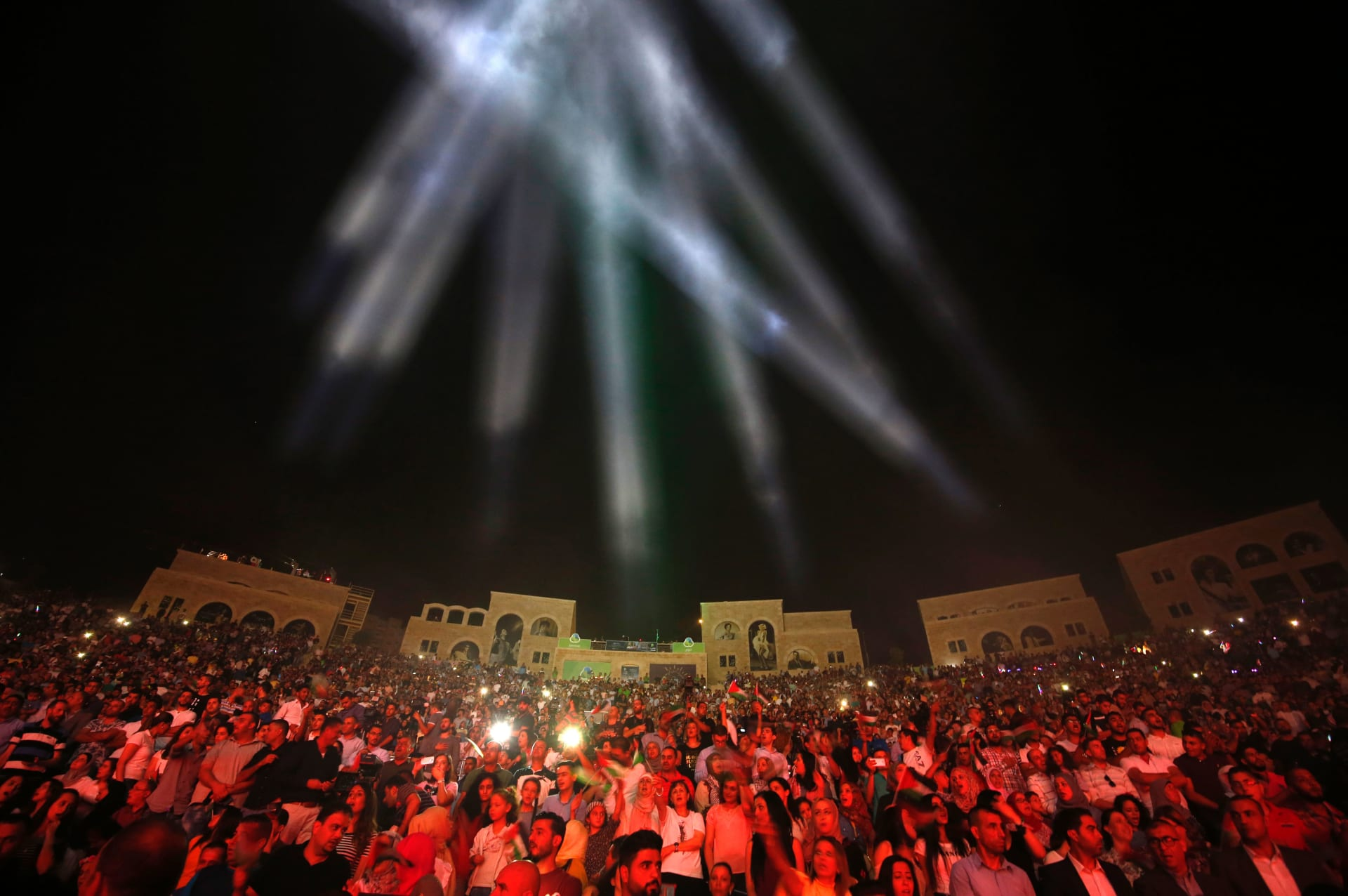 مطالب نقابية للحكومة بمنع 20 من فناني المهرجانات المصرية من الغناء في الأردن