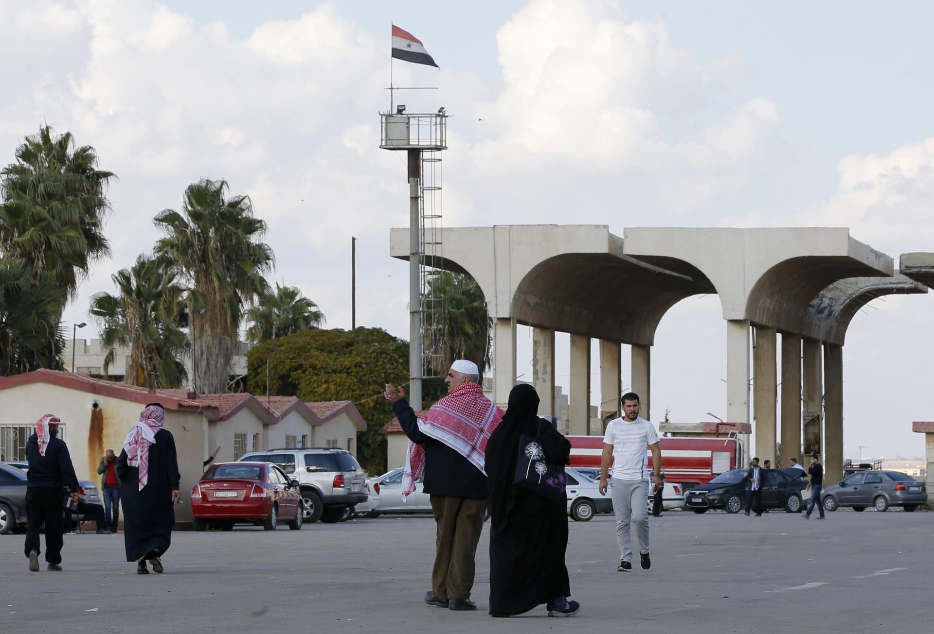 رغم عدم تسجيلها إصابات بكورونا.. وزير الصحة الأردني يكشف لـCNN سبب حظر السفر إلى سوريا
