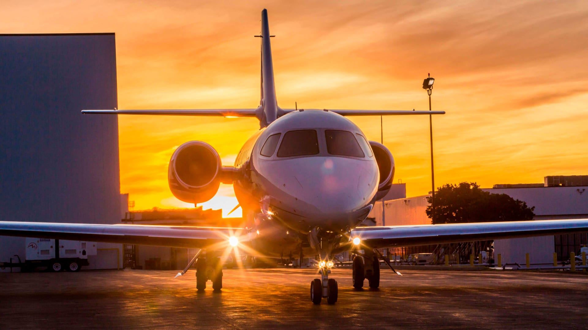 الطائرات الخاصة.. حل سفر الأثرياء وسط تفشّي فيروس كورونا الجديد