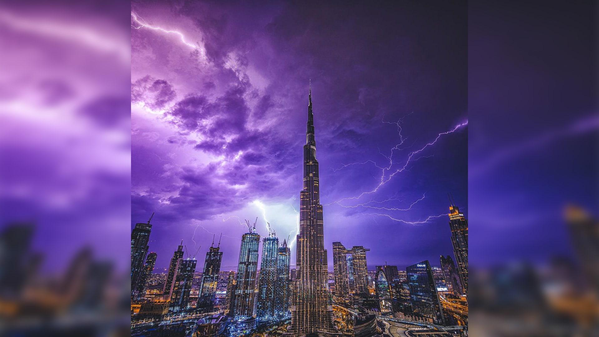 مشاهد مذهلة لسماء دبي خلال العاصفة الرعدية