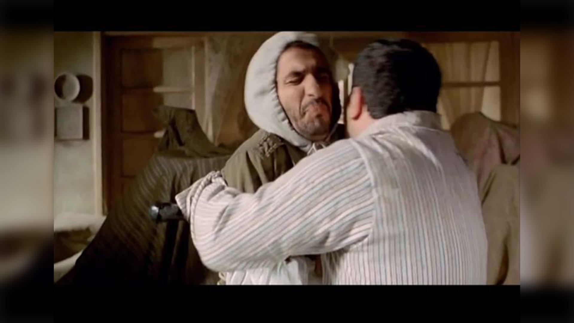 بمشاهد الأفلام والأغاني..هكذا يواجه المصريين فيروس كورونا
