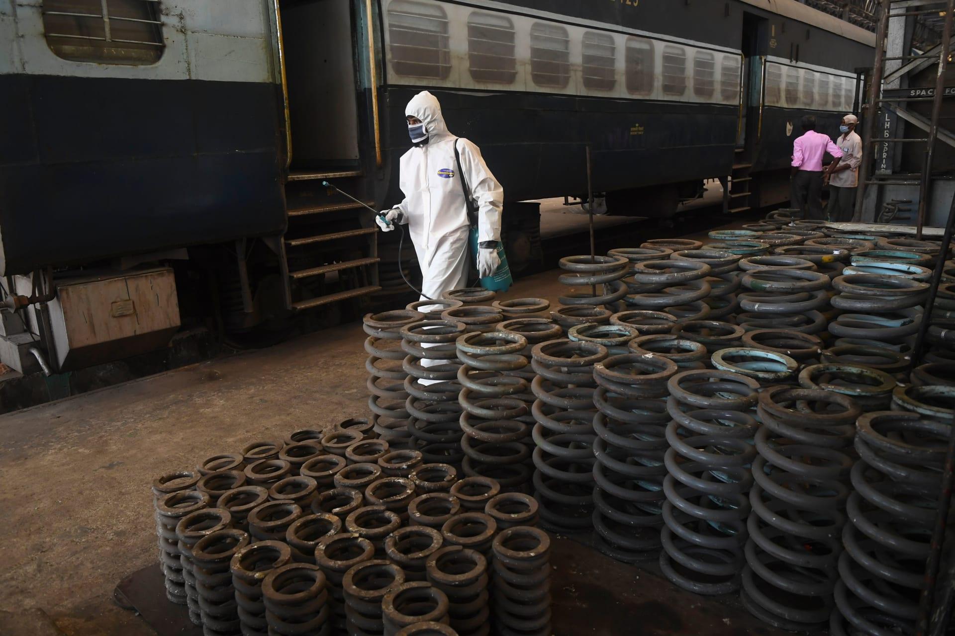 الهند تحول القطارات إلى مستشفيات لاستقبال مرضى فيروس كورونا