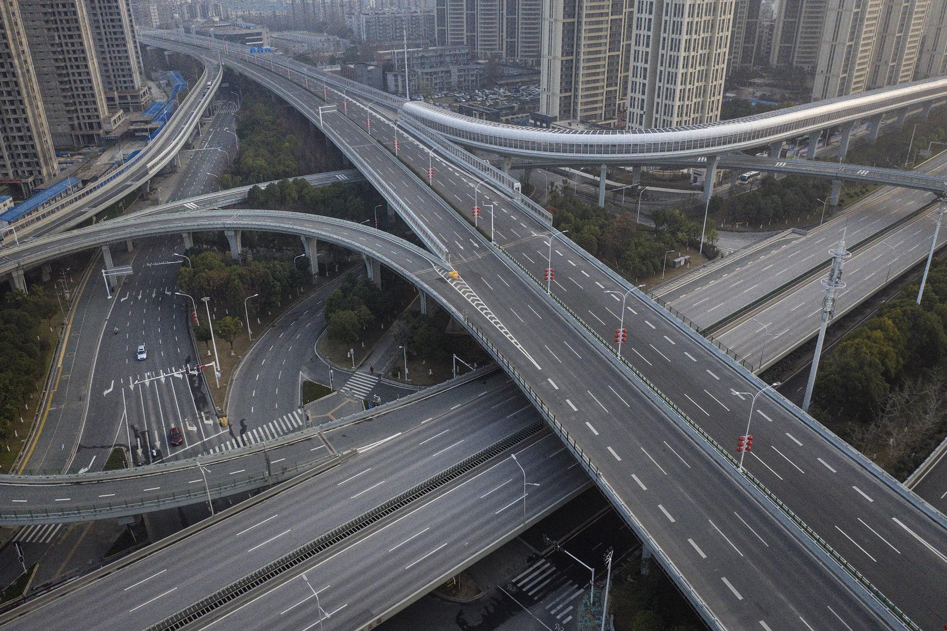 مشهد جوي للطرق والجسور في 3 فبراير 2020 في ووهان، الصين
