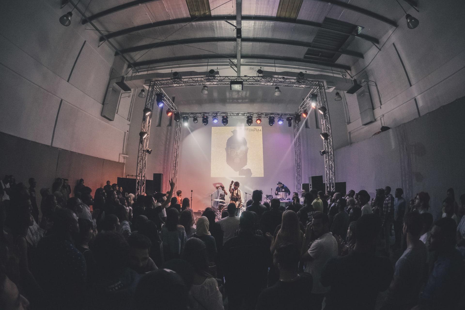 في دبي.. عروض موسيقية عبر الإنترنت استمرت 12 متواصلة بمشاركة 49 فنان
